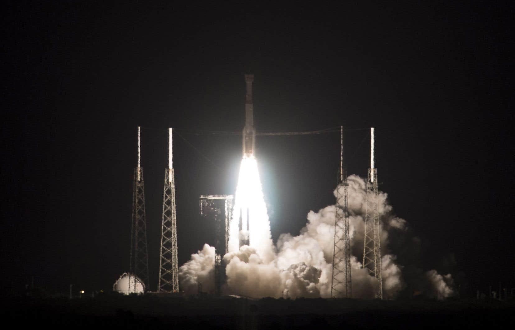 Une fusée Atlas V a décollé tôt vendredi de Cap Canaveral en Floride pour tenter de placer en orbite la nouvelle capsule spatiale de Boeing, «Starliner».
