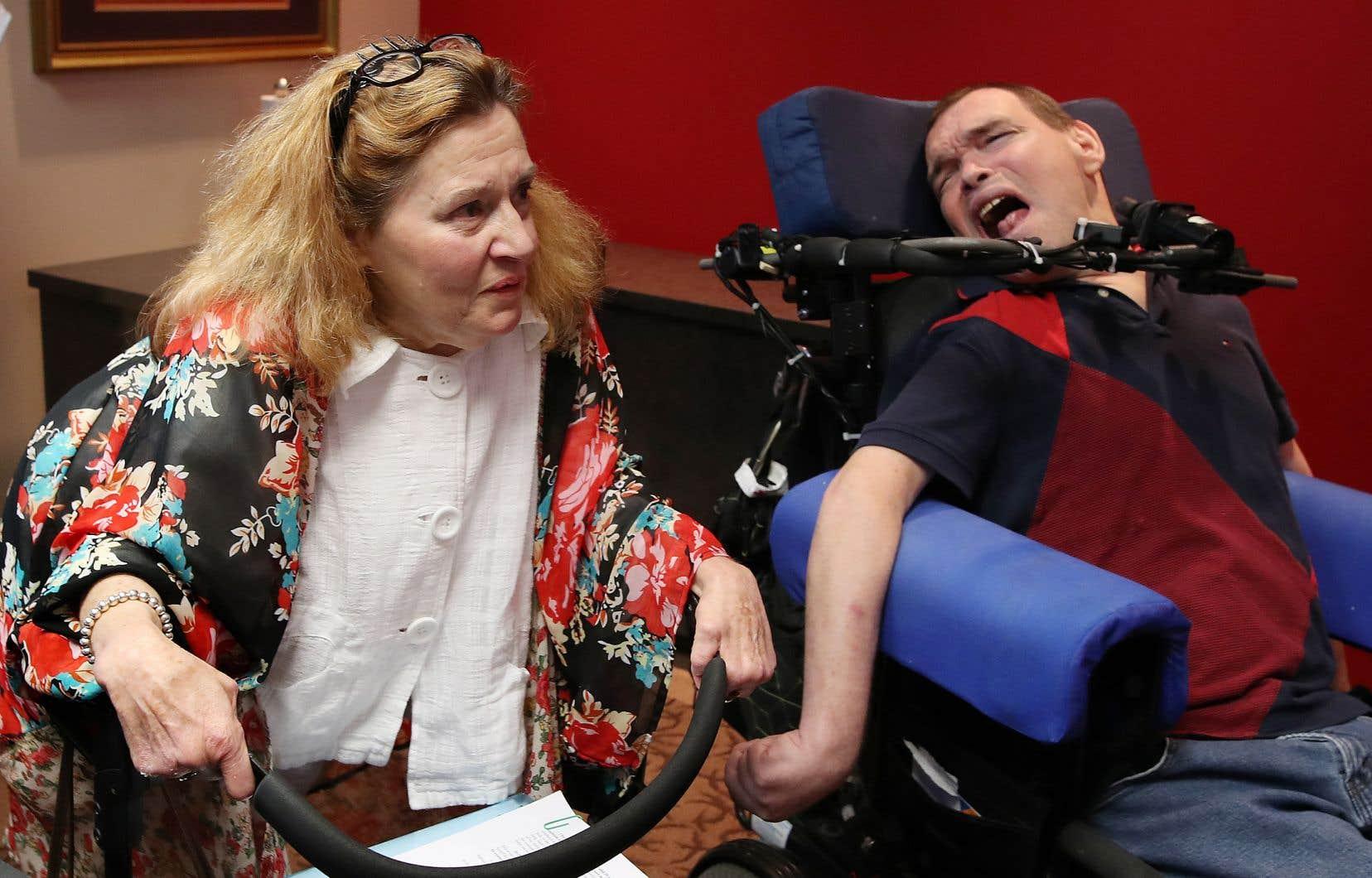 La Cour a accordé à Nicole Gladu et à Jean Truchon le droit de se prévaloir sans attendre de l'aide médicale à mourir puisqu'ils ont contesté cet aspect de la loi.