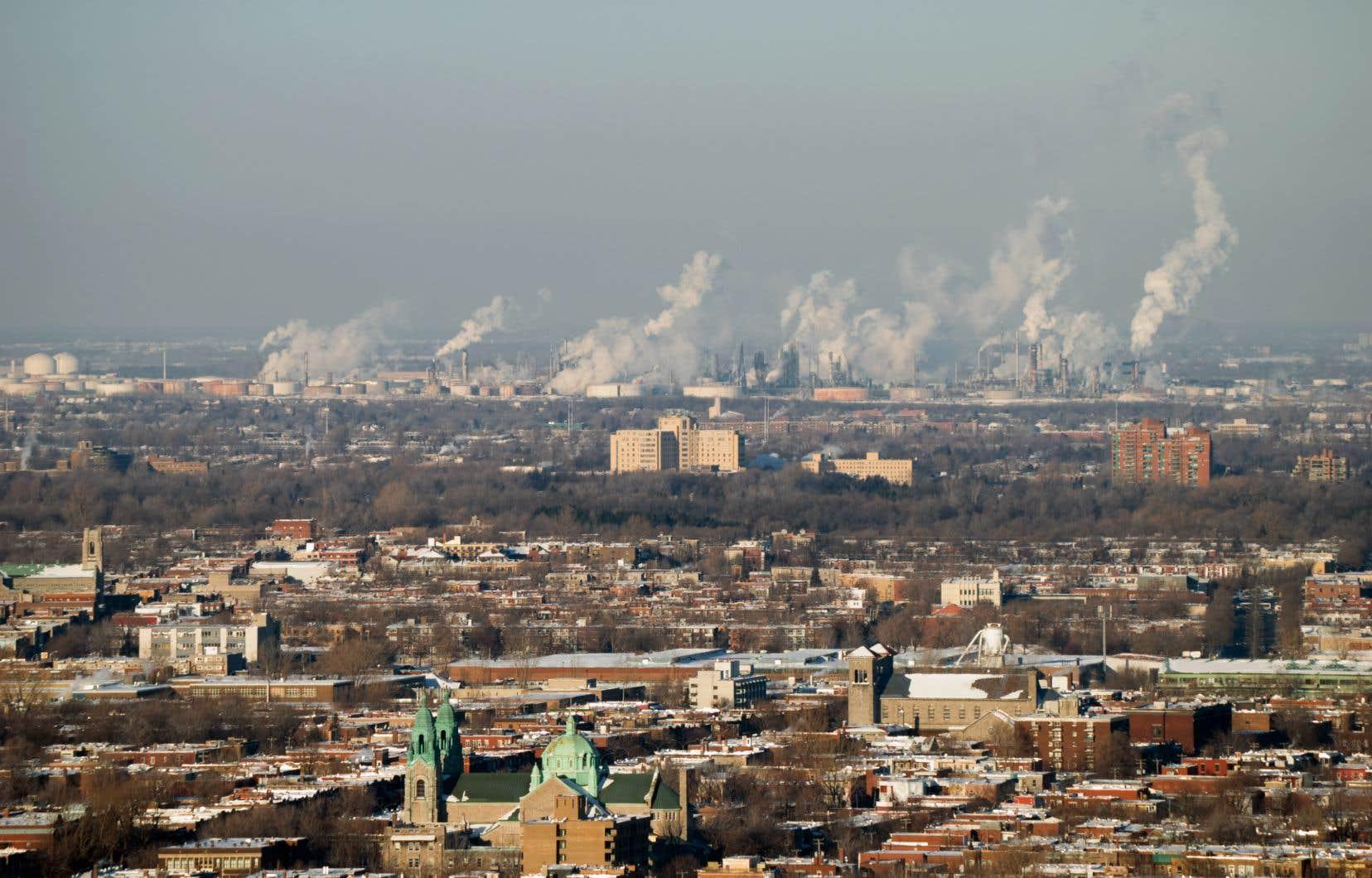 L'hiver, le smog est surtout attribuable à l'utilisation du chauffage au bois, à une partie de l'activité industrielle et aux véhicules à moteur. Autant de sources de combustion rejetant dans l'atmosphère beaucoup de particules fines.