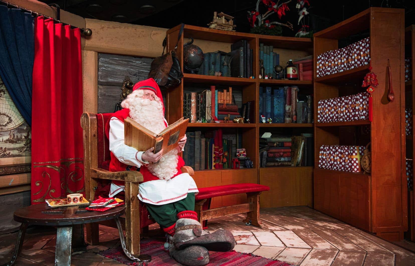 Au coeur du village, de jolis chalets en bois abritent l'antre du père Noël.