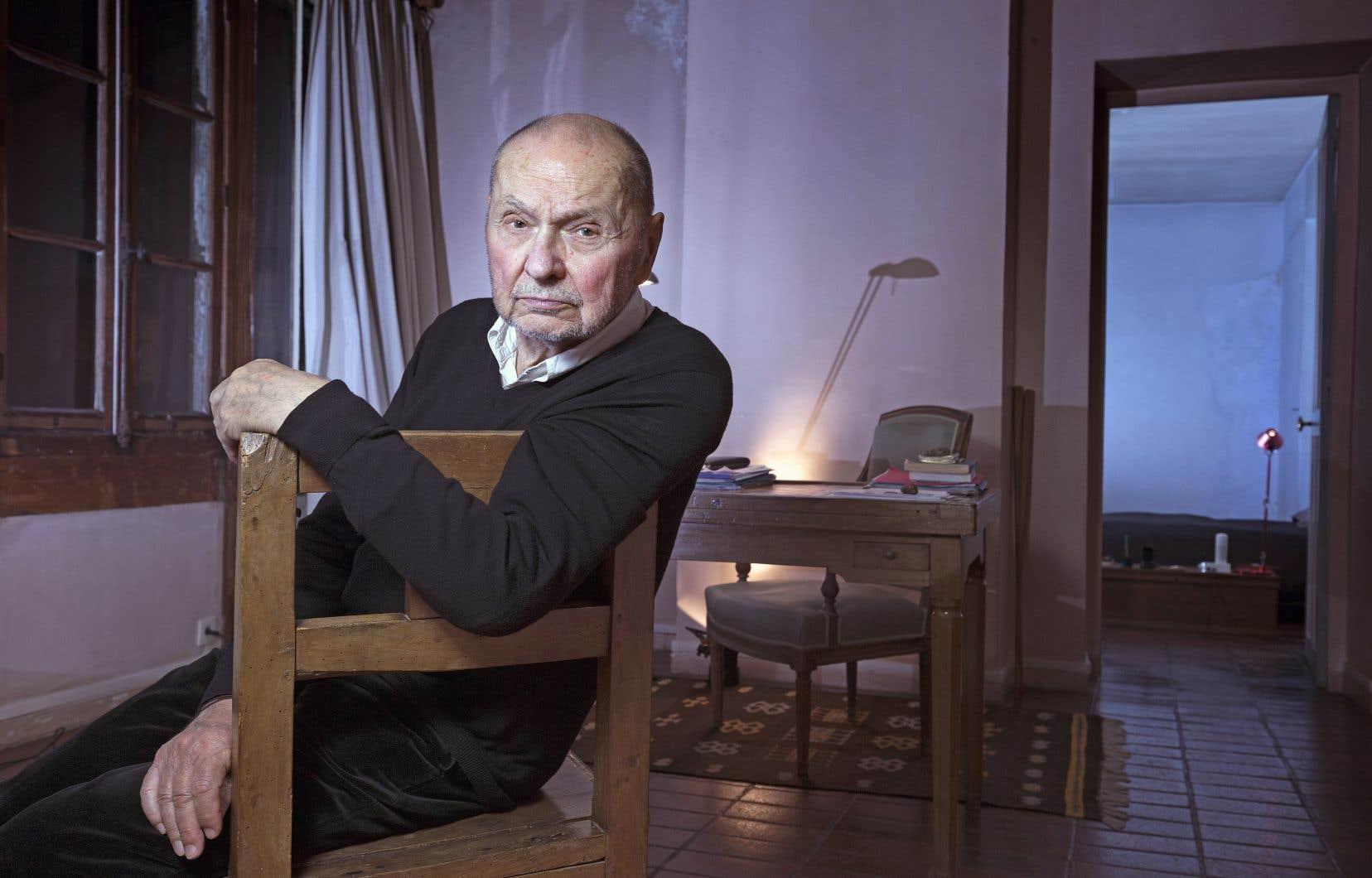 Claude Régy ne s'est jamais senti «trop français»; le metteur en scène se sentait davantage connecté aux civilisations orientales plutôt qu'à la tradition théâtrale hexagonale.