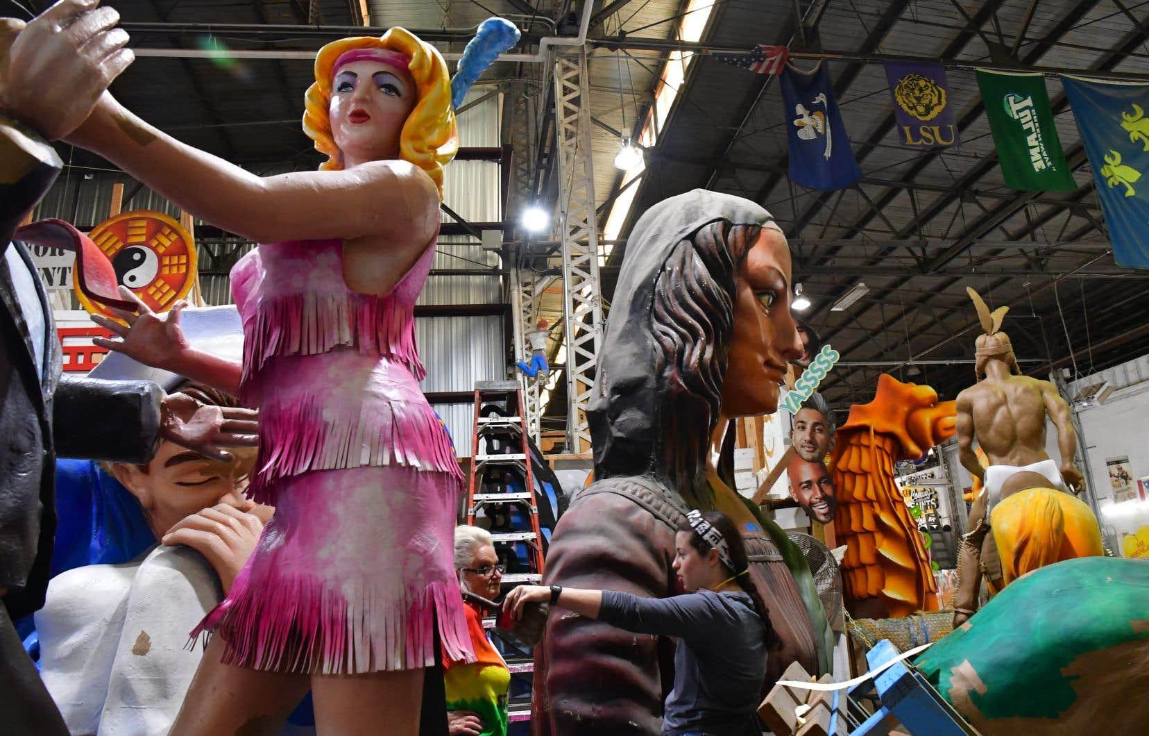 Il faut savoir que le Blaine Kern's Mardi Gras World n'est pas un musée, mais un atelier de création niché dans un vaste hangar, sur le bord du Mississippi, dans Lower Garden District.