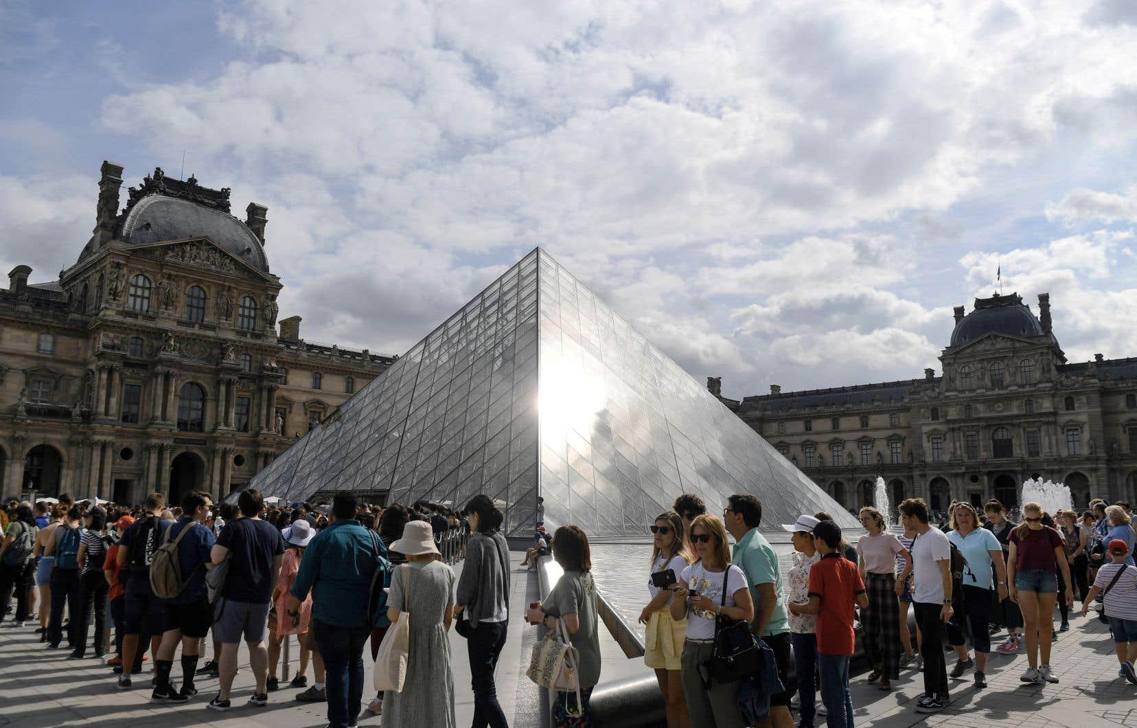 Le Louvre a fêté cette année le 30eanniversaire de sa pyramide de verre et a ajouté certaines activités gratuites à son offre en 2019.