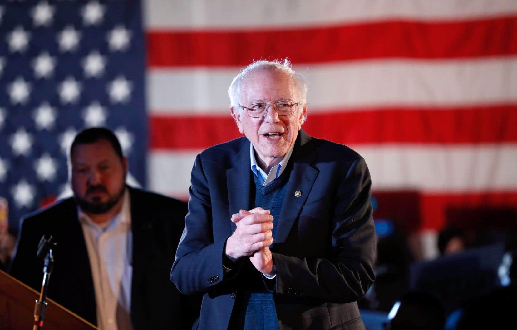 Bernie Sanders dispose en outre «d'un solide réseau de partisans qui date de [sa candidature en 2016] et qu'il a maintenu et enrichi», souligne William Sweeney, professeur à l'American University.