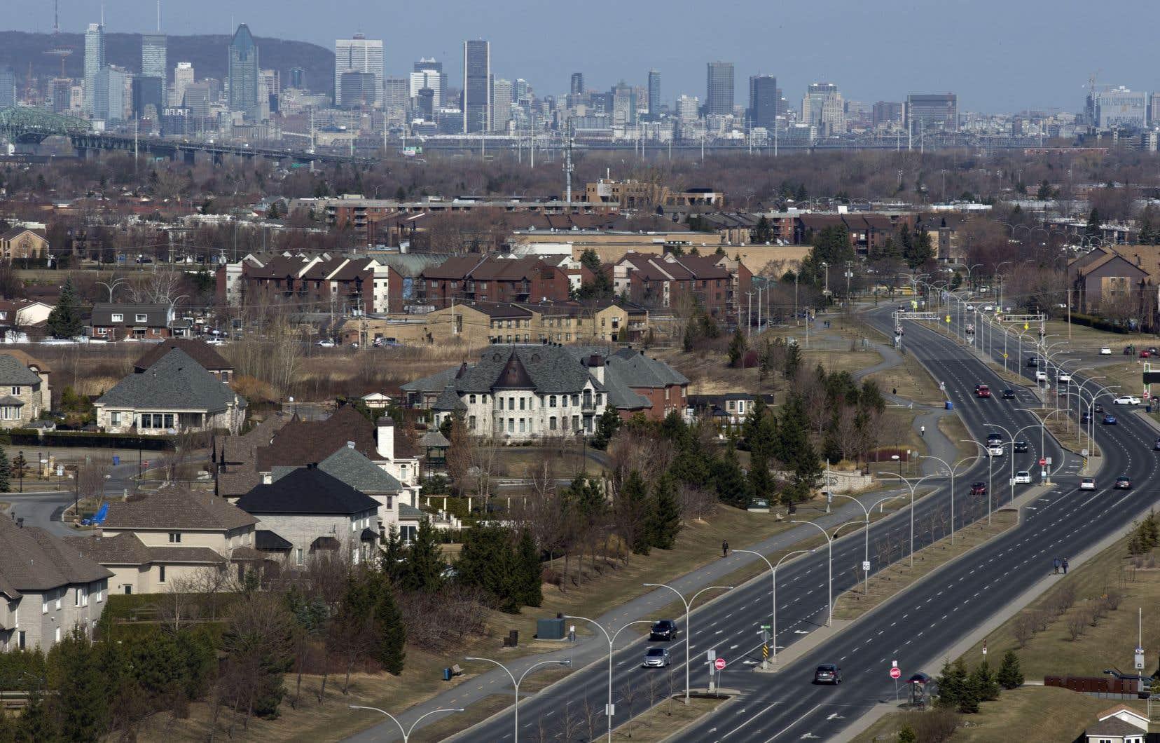 L'étalement urbain provoque la réduction du territoire agricole.