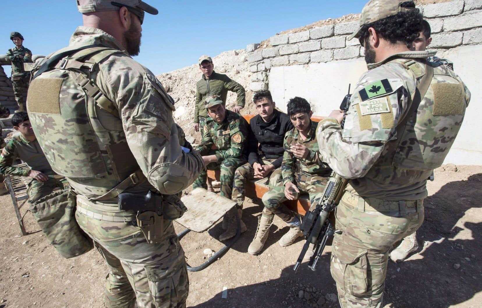 Le Canada compte environ 500 soldats en Irak pour aider à combattre le groupe armé État islamique, entre autres.