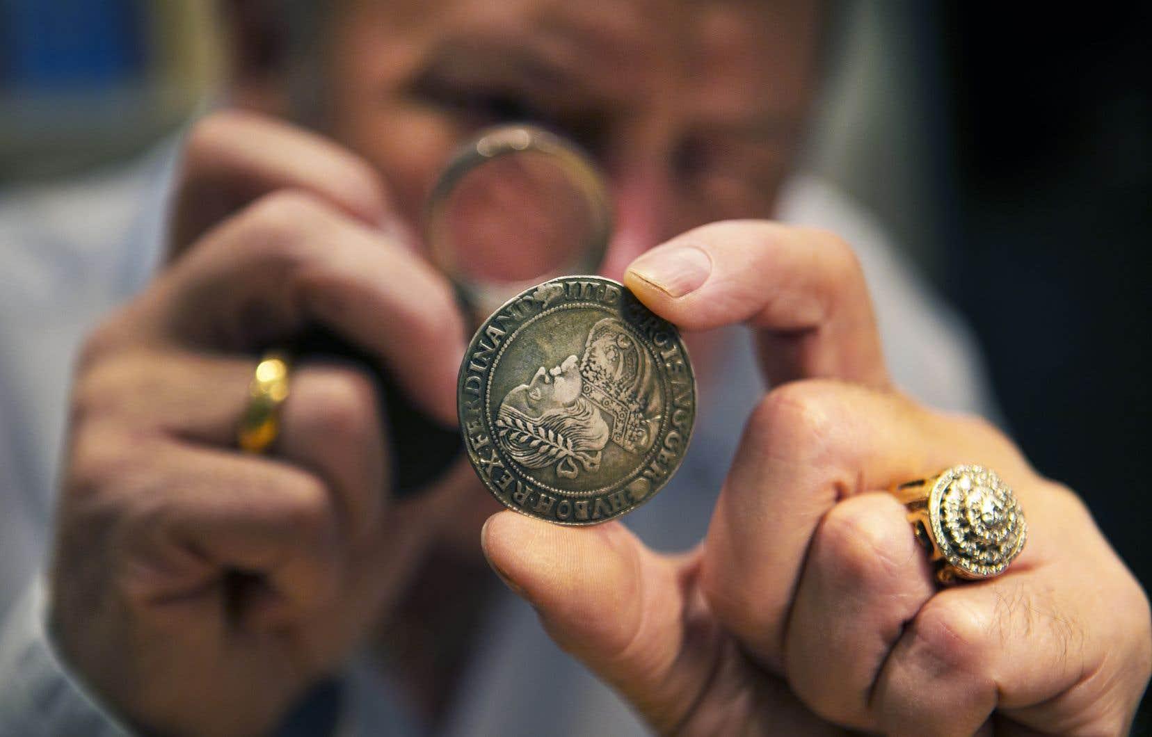 Le numismate de longue date Yvon Chicoine est propriétaire de la boutique Monnaies de Versailles à Montréal.