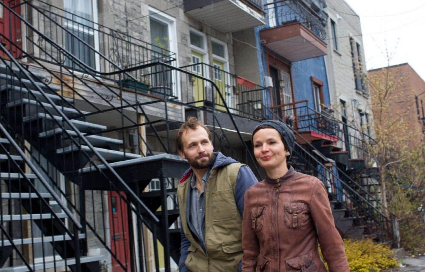 Émile Proulx-Cloutier et Anaïs Barbeau-Lavalette, le duo créatif derrière le beau «Pôle Sud», offre un nouveau «documentaire scénique», «Pas perdus».