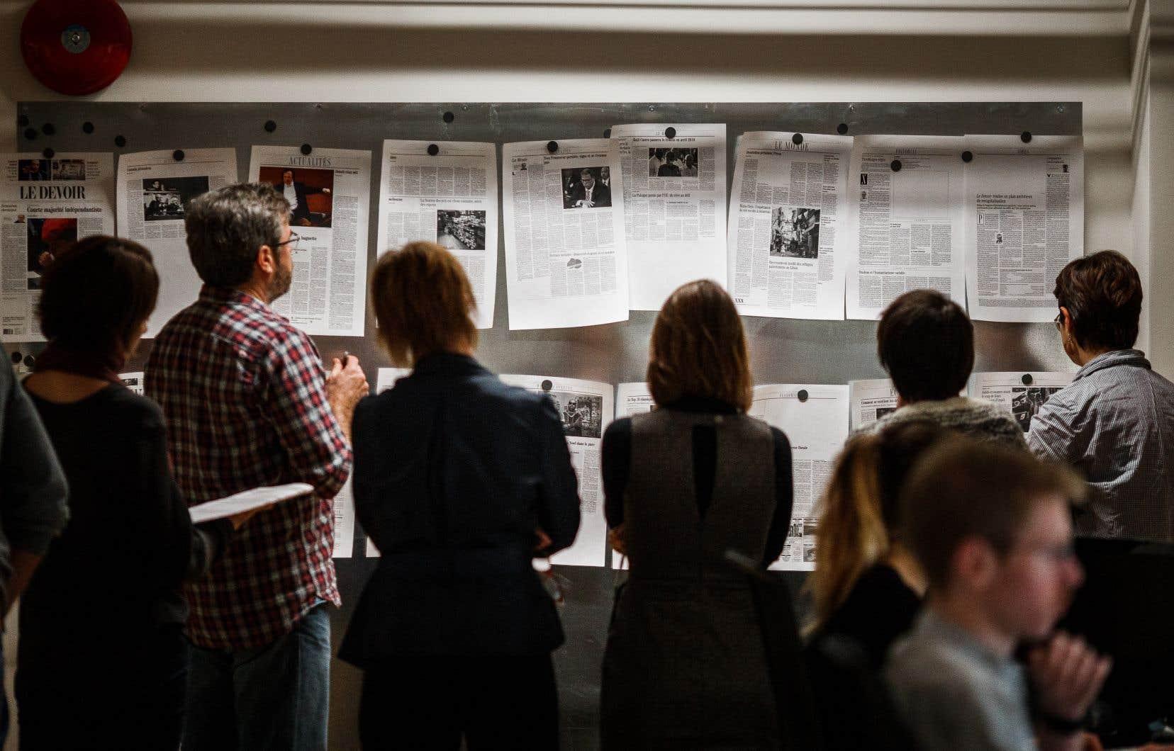 Les journaux restent indispensables dans les démocraties fragilisées par la résurgence des dogmatismes, la montée des populismes et l'expansion des «fake news».