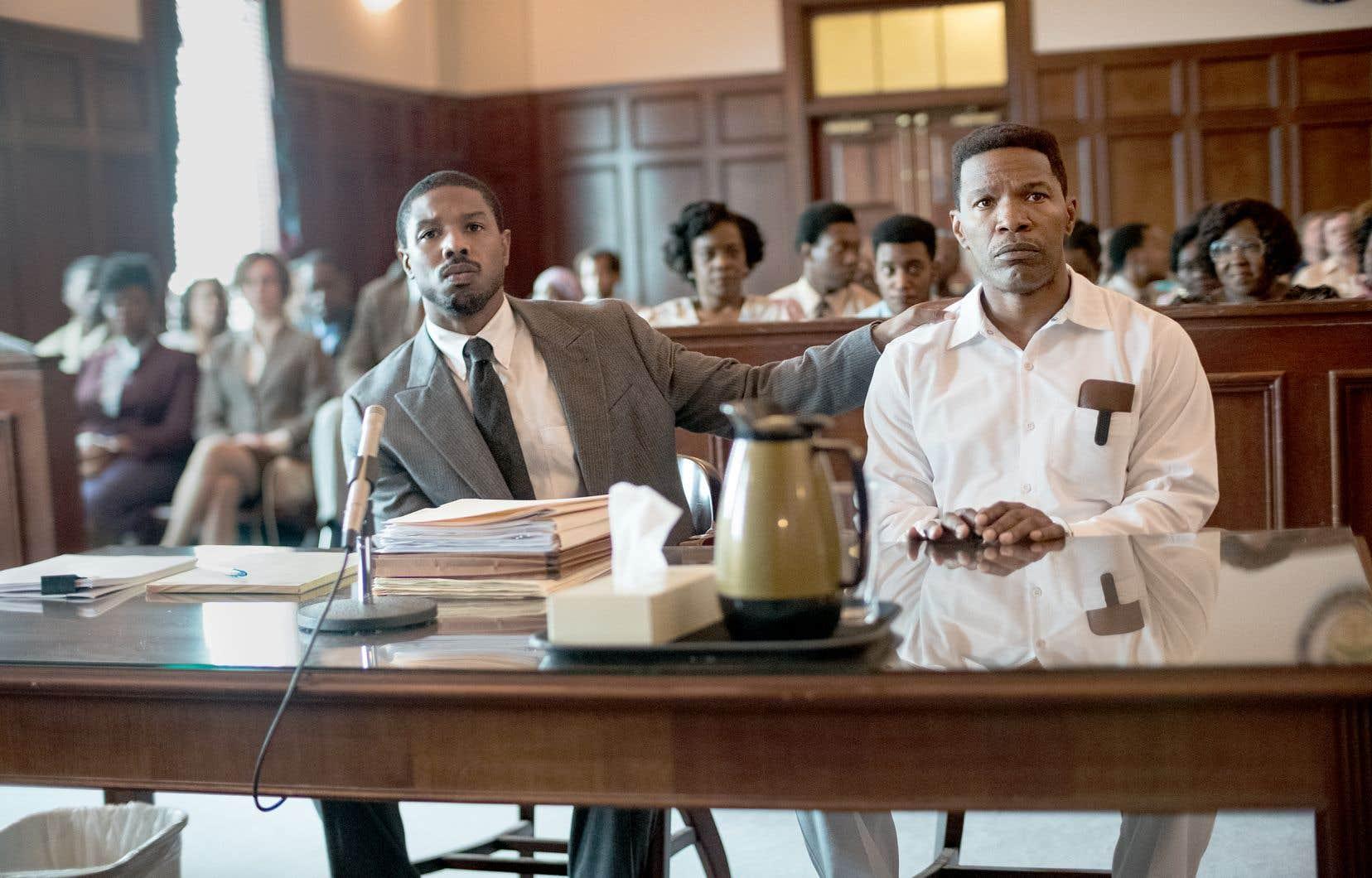 Le contraste est frappant entre l'assurance fragile telle qu'incarnée par Michael B. Jordan en jeune avocat idéaliste et l'intensité maîtrisée de Jamie Foxx en faux coupable, une de ses meilleures performances depuis «Ray».