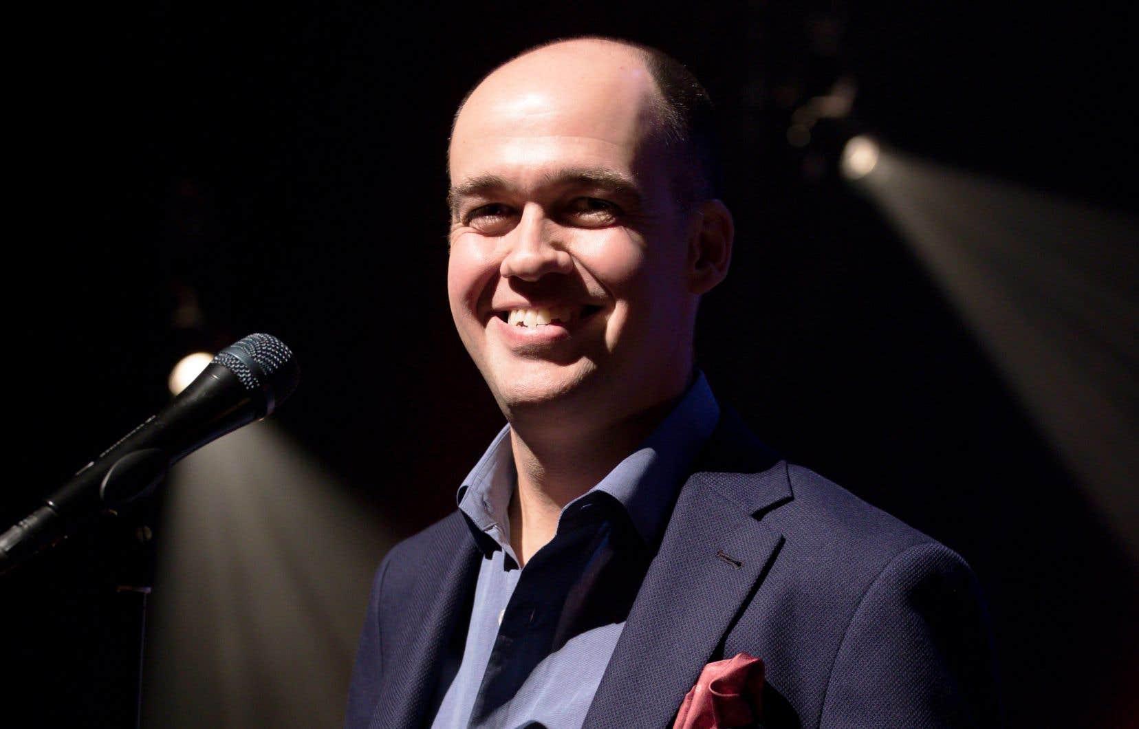 L'humoriste Guy Nantel pourrait avoir de la difficulté à conjuguer une campagne à la direction du PQ et son calendrier de tournée, rempli jusqu'au 20juin.