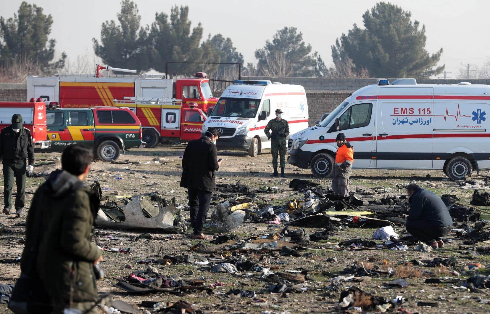 «Une chose est sûre, cet avion n'a pas été touché par un missile», a affirmé le président de l'Organisation de l'aviation civile iranienne (CAO), Ali Abedzadeh, à la presse.