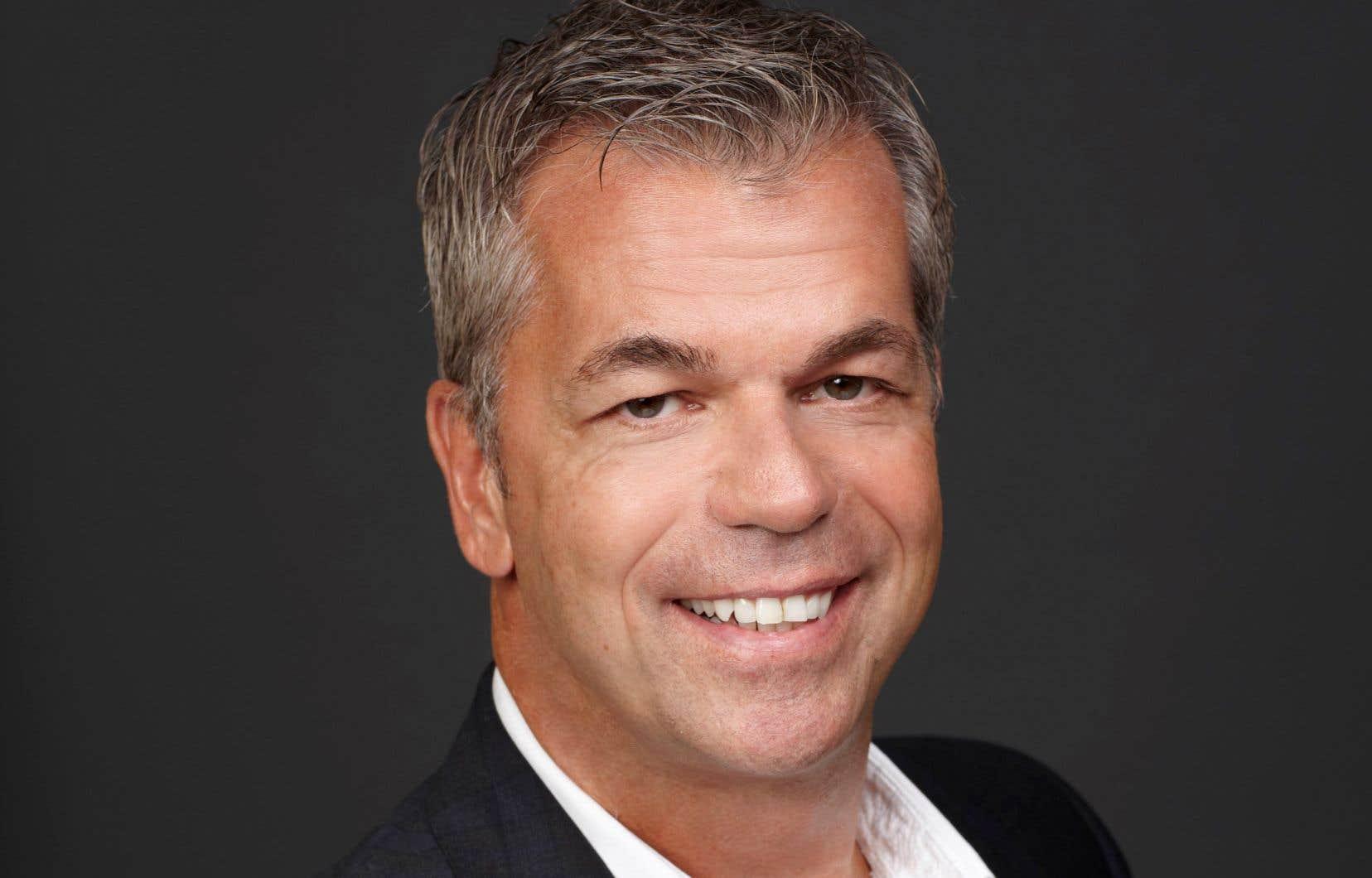 L'ancien organisateur politique Richard Décarie se présente comme un «vrai bleu conservateur».
