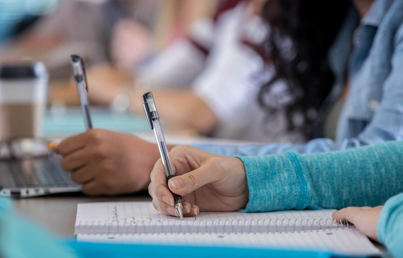 «Avant d'abandonner un projet pédagogique réfléchi comme le fut ECR, le gouvernement Legault devrait mener une consultation générale, et en particulier auprès des parents», croit l'auteur.