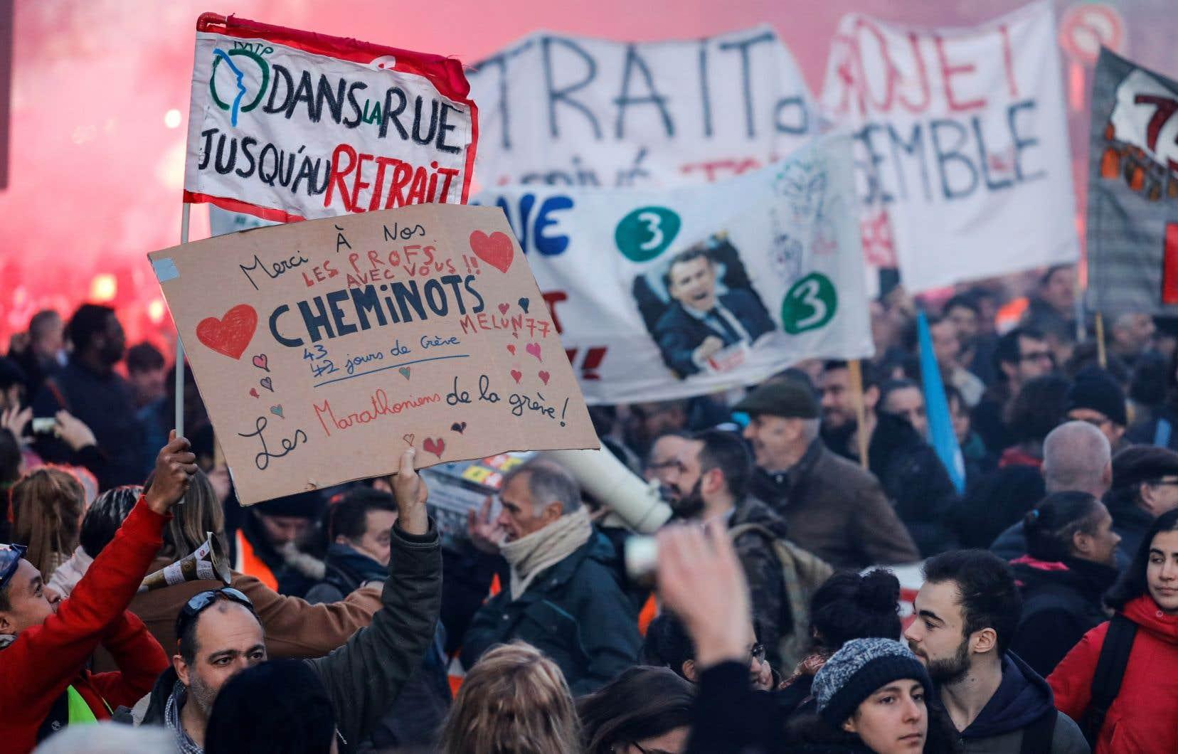Selon le ministère de l'Intérieur, 187 000 personnes ont manifesté jeudi en France, dont 23 000 à Paris.