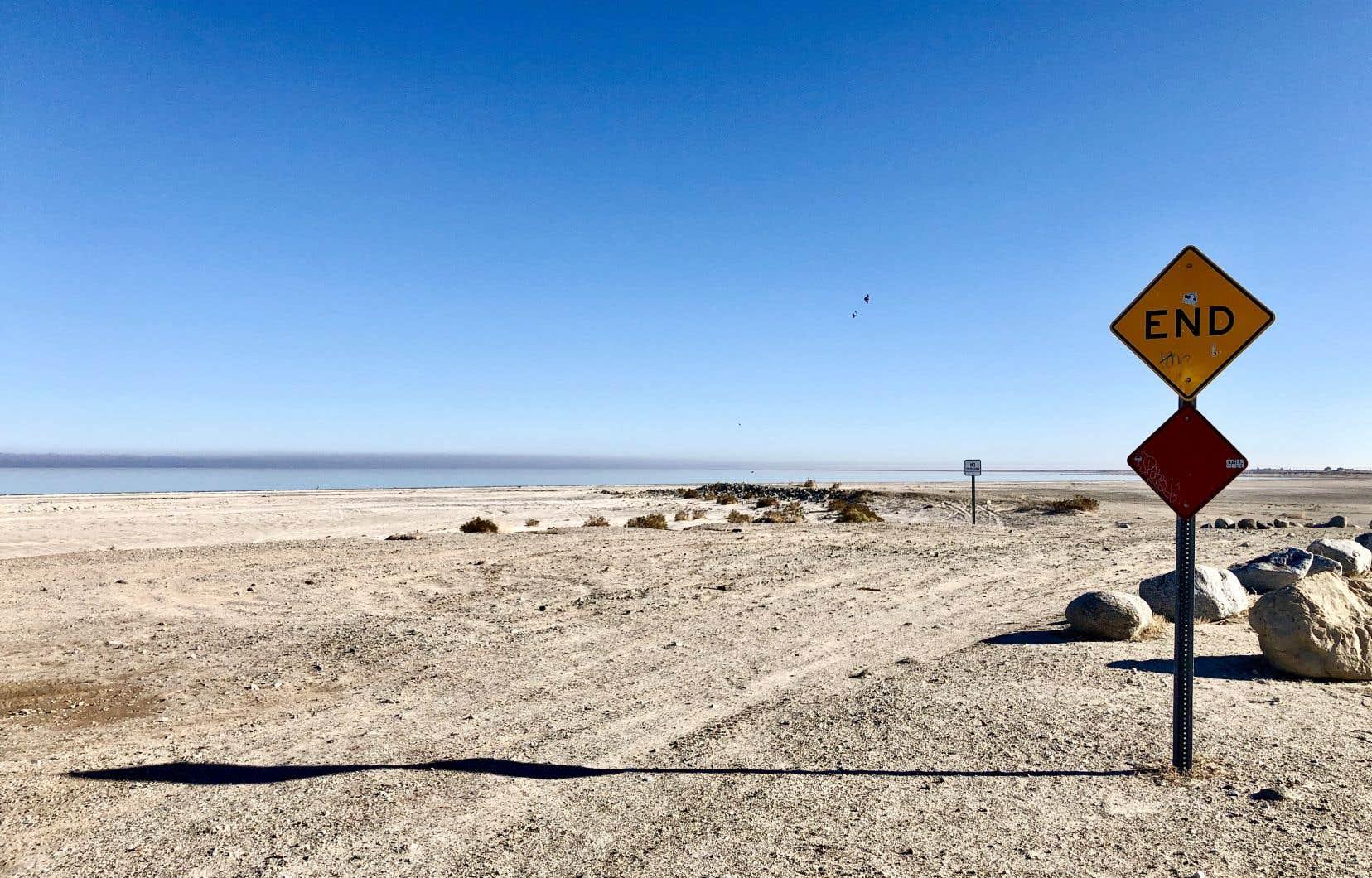 Le fond marin du lac Salton Sea est progressivement exposé à l'air, causant des maladies respiratoires à des kilomètres à la ronde.