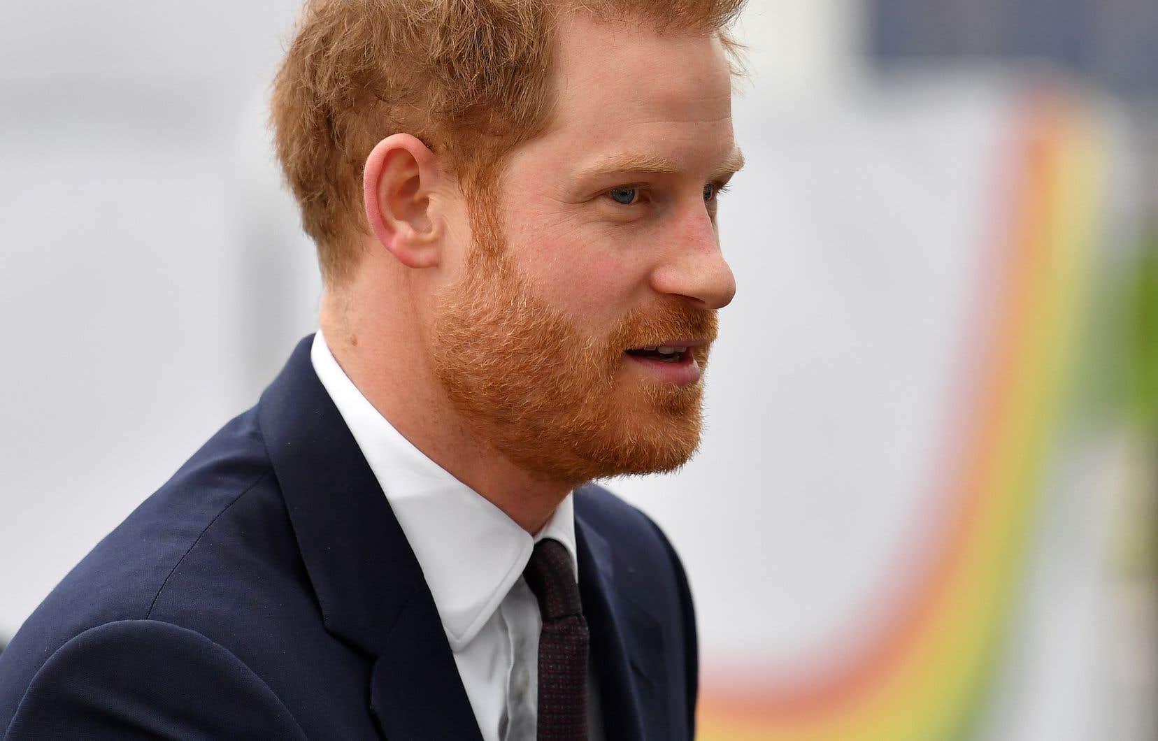 <p>Le prince va devoir notamment renoncer à ses fonctions militaires, auxquelles il était attaché.</p>