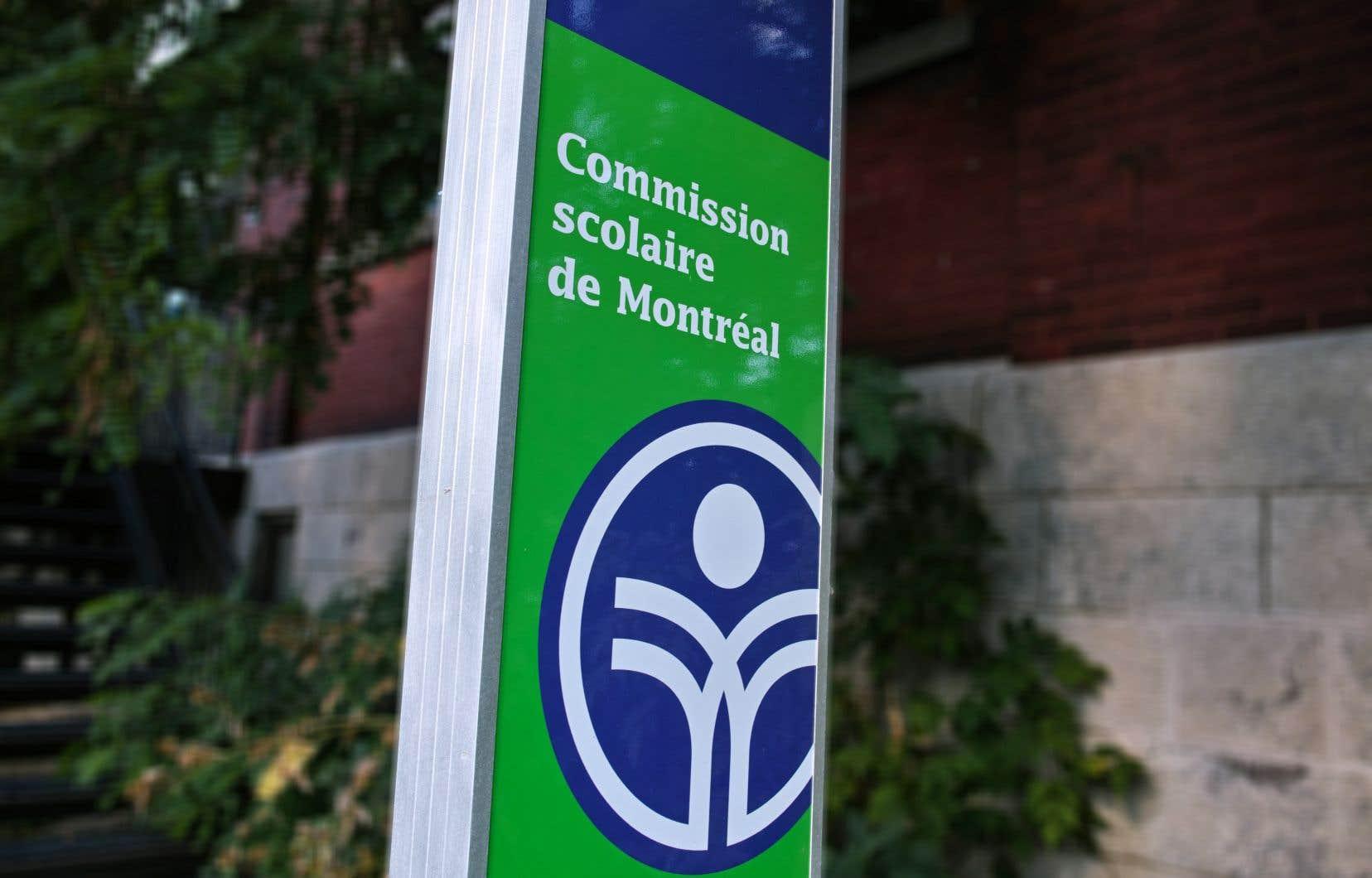 La Commission scolaire prévoit qu'une soixantaine d'enseignants français recrutés en 2019 commenceront leur travail en classe lors de la rentrée scolaire de l'automne 2020.