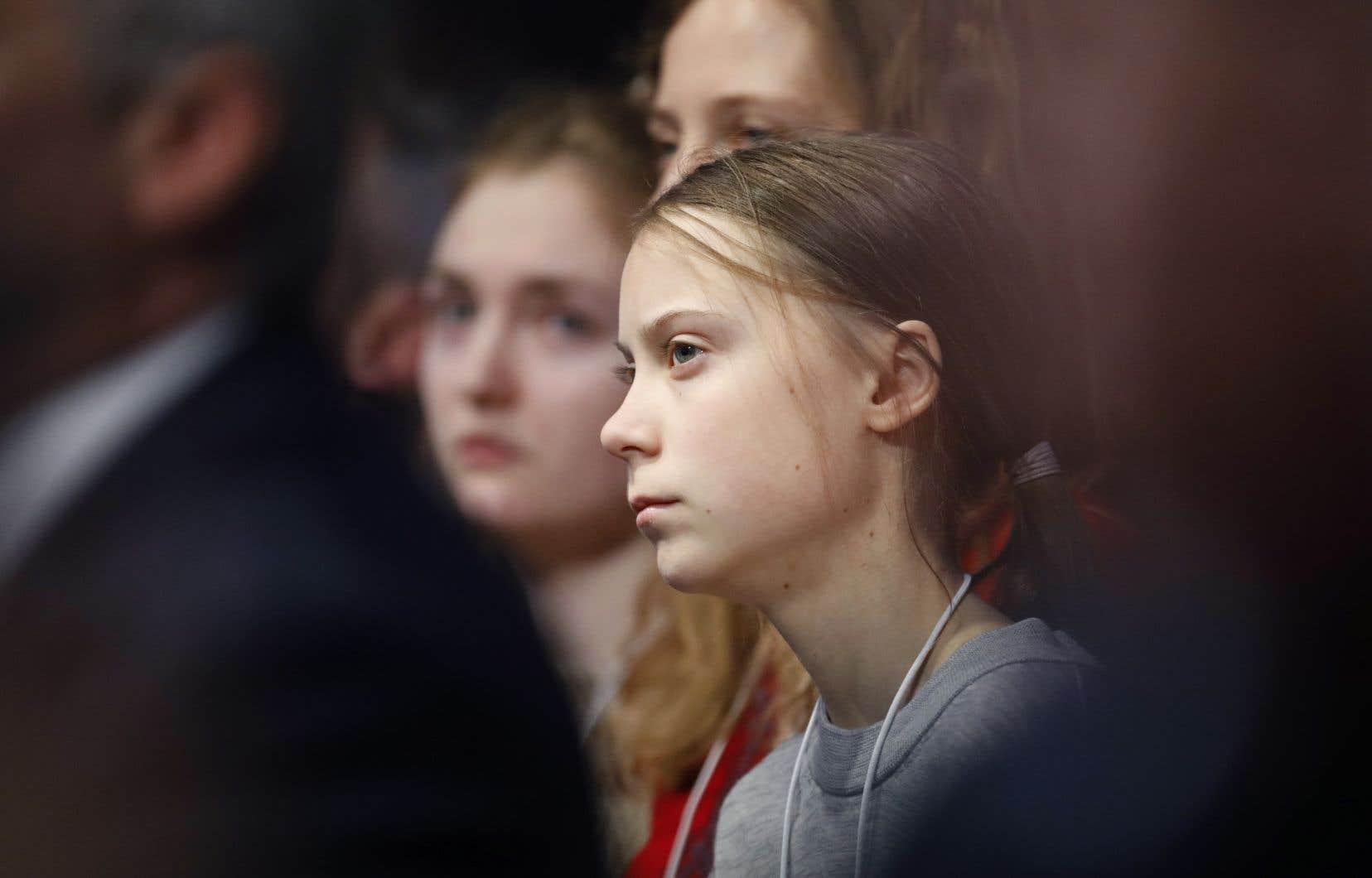 La militante Greta Thunberg continue de répéter qu'il est temps de «paniquer» parce que «la maison brûle».