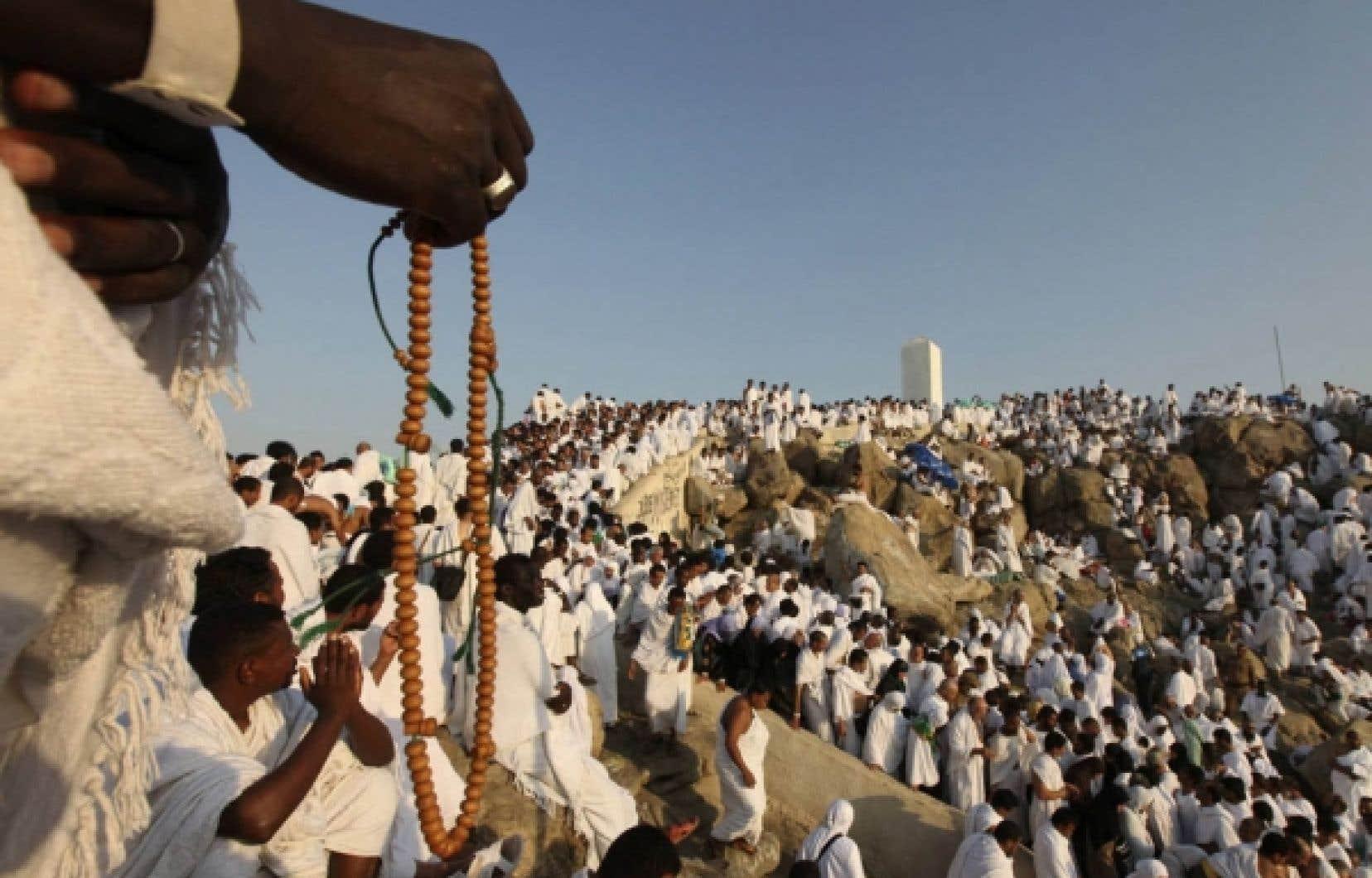 Plus de deux millions de musulmans se sont rassemblés dans la ferveur hier sur le mont Arafat, moment fort du pèlerinage annuel de La Mecque<br /> <br />