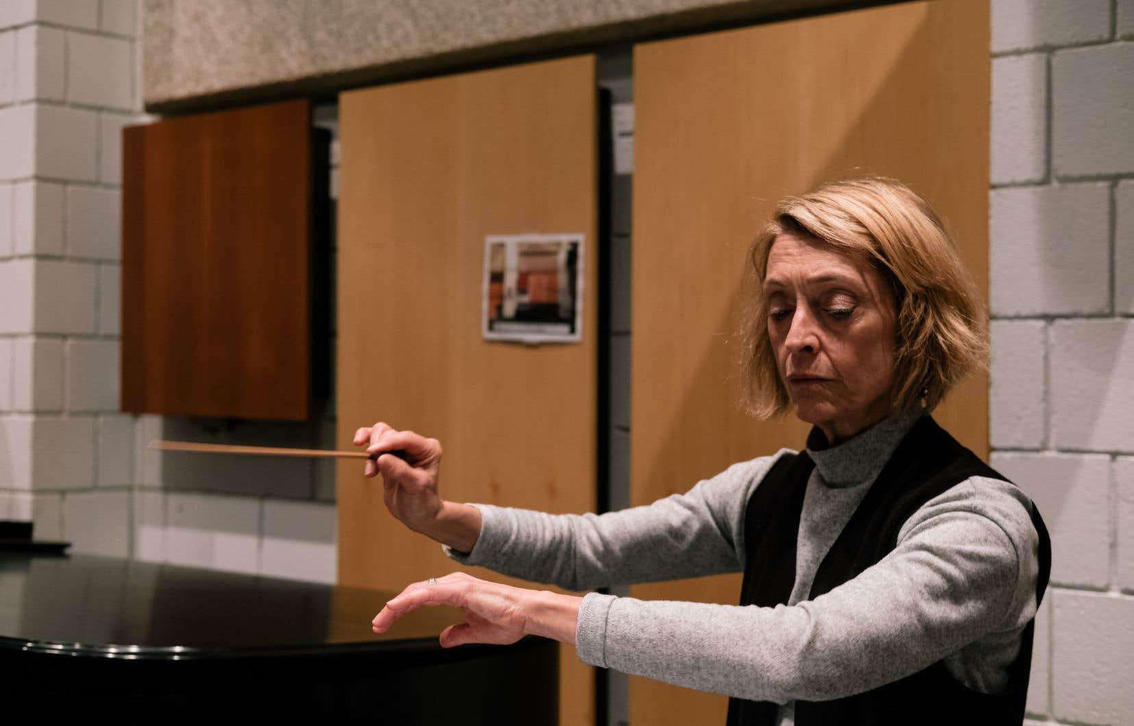 Le profil de la cheffe franco-ontarienne Nicole Paiement la place au confluent de la création lyrique des dernières décennies.