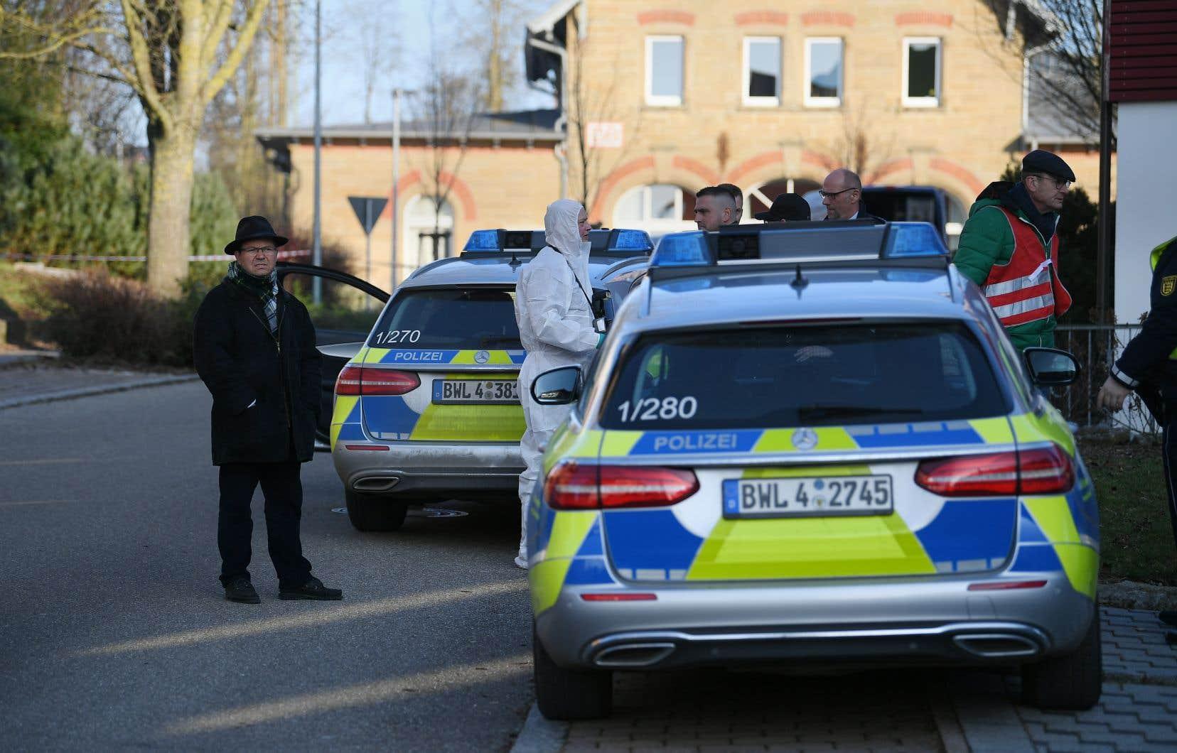La fusillade, dont l'auteur présumé a été arrêté, s'est produite à la mi-journée dans une région proche de Stuttgart.
