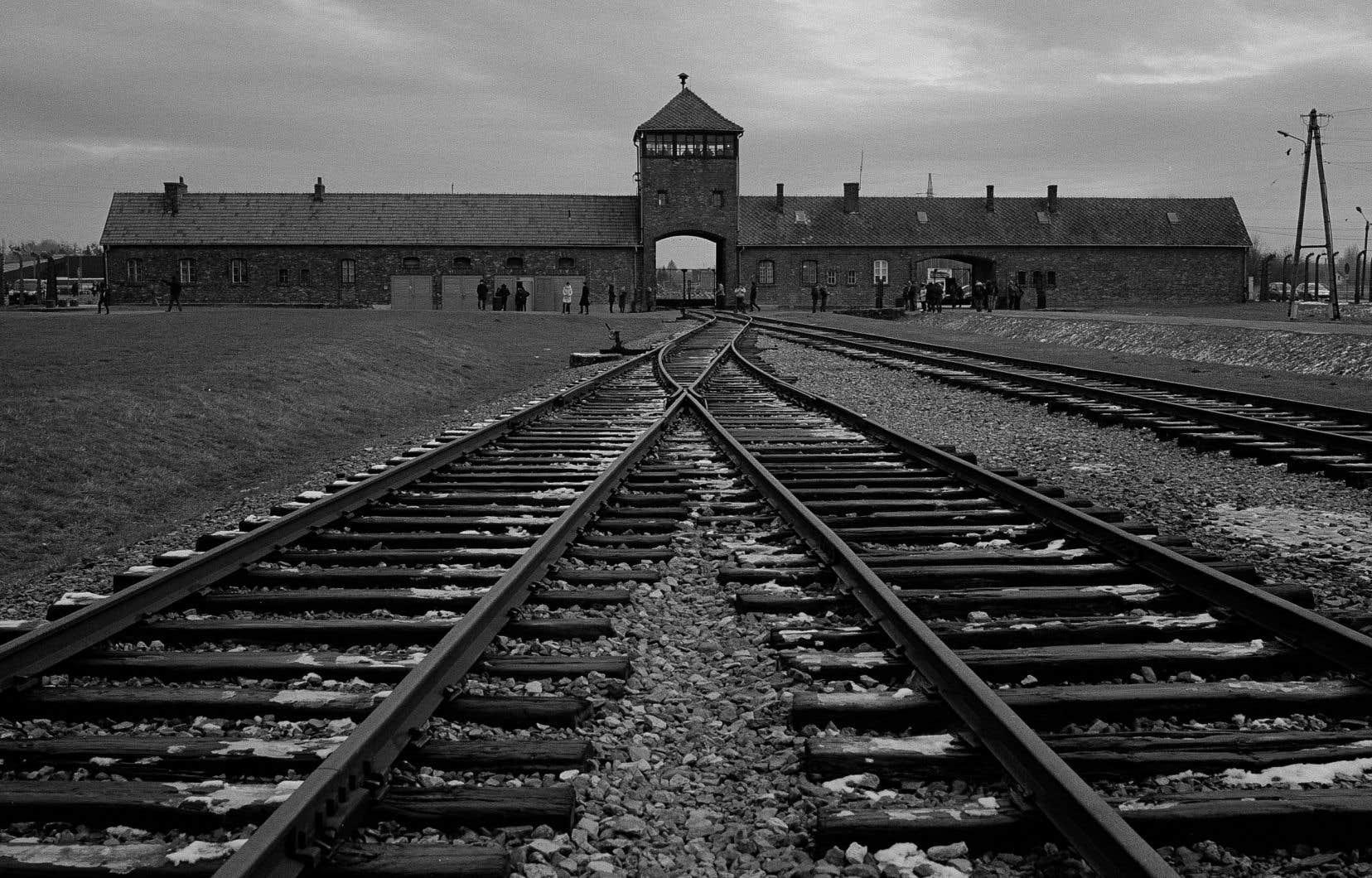 «La haine, l'intolérance et les préjugés qui ont engendré la Shoah n'ont pas disparu», croit l'auteur.