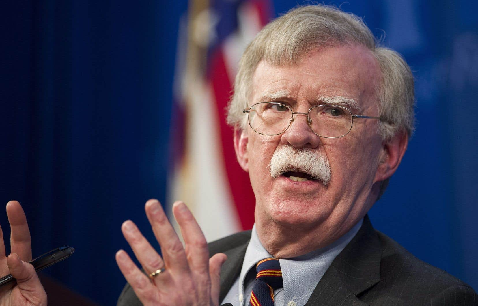 Selon Bolton, Trump voulait lier aide à l'Ukraine et enquête sur Biden