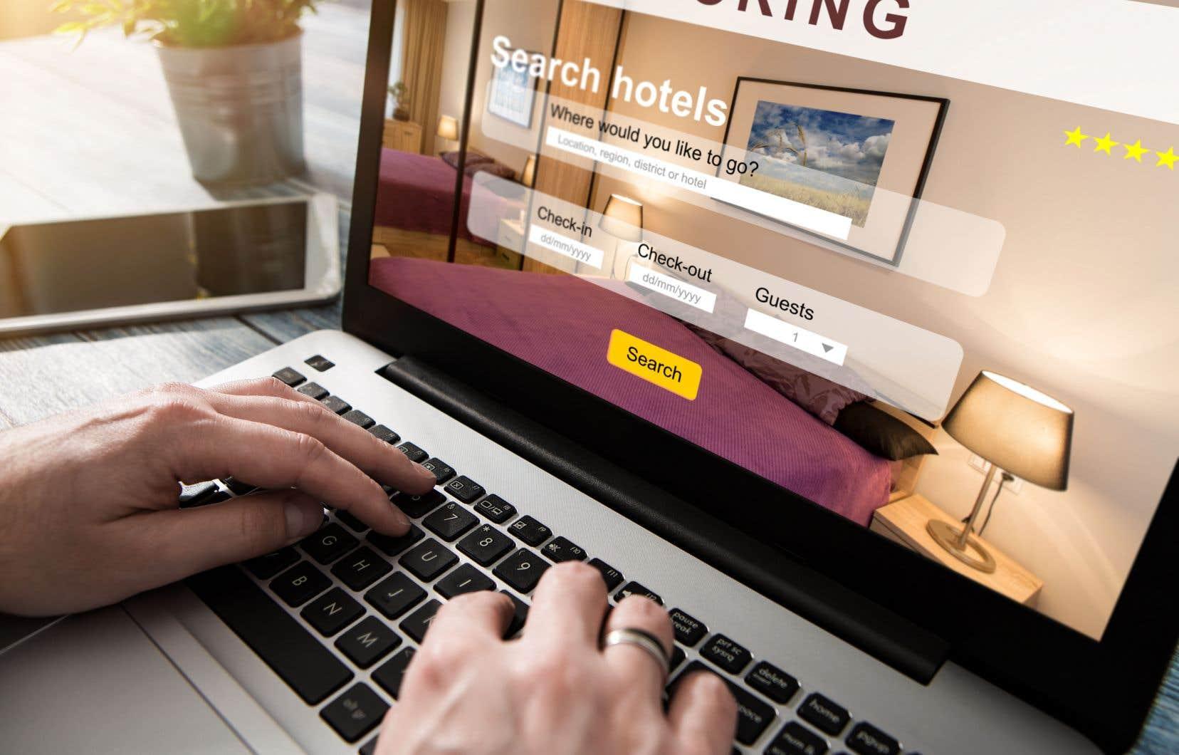 Chafik Mihoubi reproche à 13 sites de réservation d'hébergement en ligne d'afficher des prix incomplets, qui ne tiennent pas compte de plusieurs séries de frais.