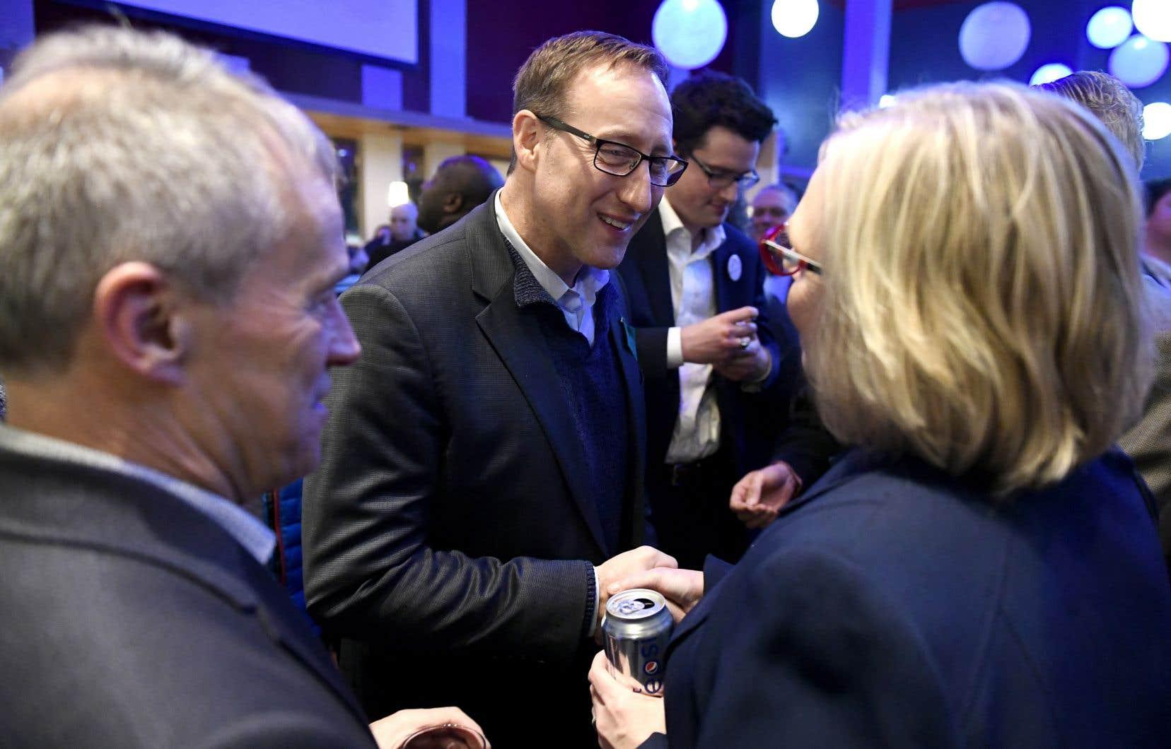 Après avoir prononcé un discours en français samedi en Nouvelle-Écosse, Peter MacKay est allé à Ottawa dimanche.