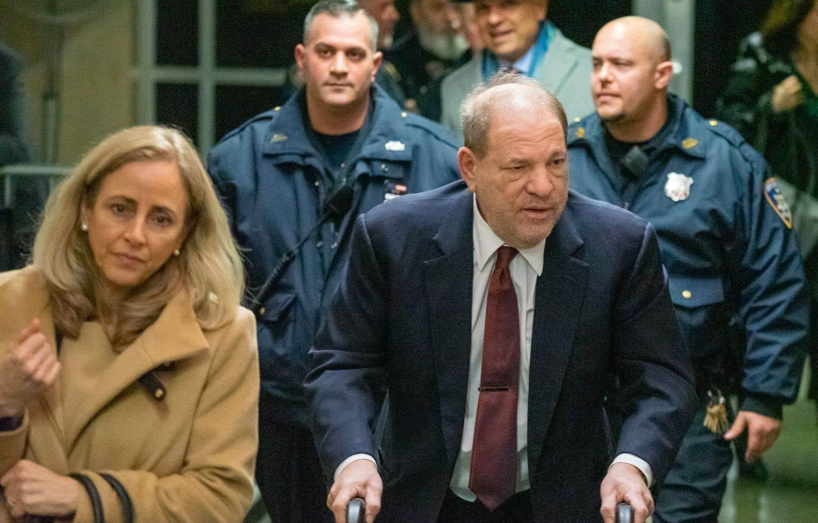L'ex-producteur Harvey Weinstein lors de son arrivée au tribunal pour son procès pour agression sexuelle, le 28 janvier 2020 à New York.
