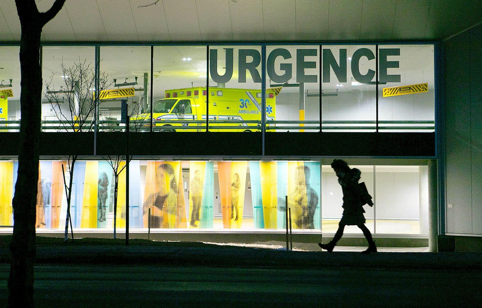 <p>La dernière période des Fêtes a été particulièrement difficile dans les urgences du Québec, alors qu'on a rapporté un taux d'occupation supérieur à 150 % dans plusieurs hôpitaux.</p>