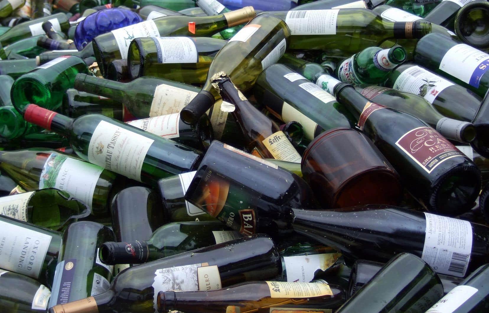 Plus de 70% du verre qui se retrouve dans le «bac vert» (110000 tonnes par année) est actuellement envoyé au dépotoir.