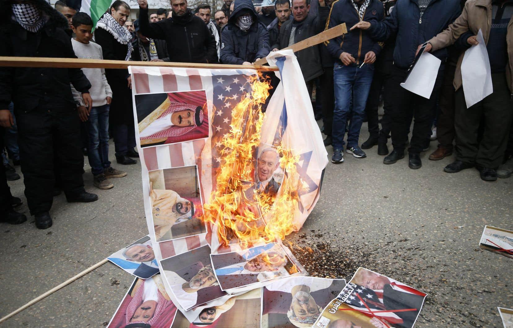 Le plan de paix présenté par Donald Trump a reçu un accueil très hostile de la part des Palestiniens.