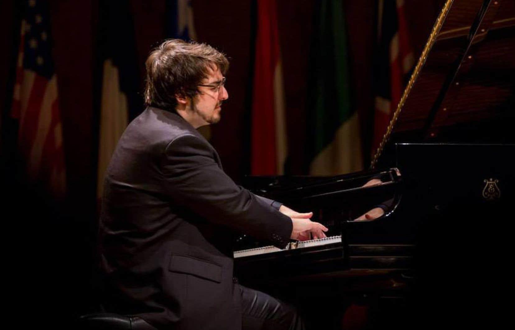 Entendre Charles Richard-Hamelin dans des répertoires désormais de plus en plus variés permet, grâce au chaînon manquant Beethoven, d'éclairer un portrait surprenant de l'artiste.