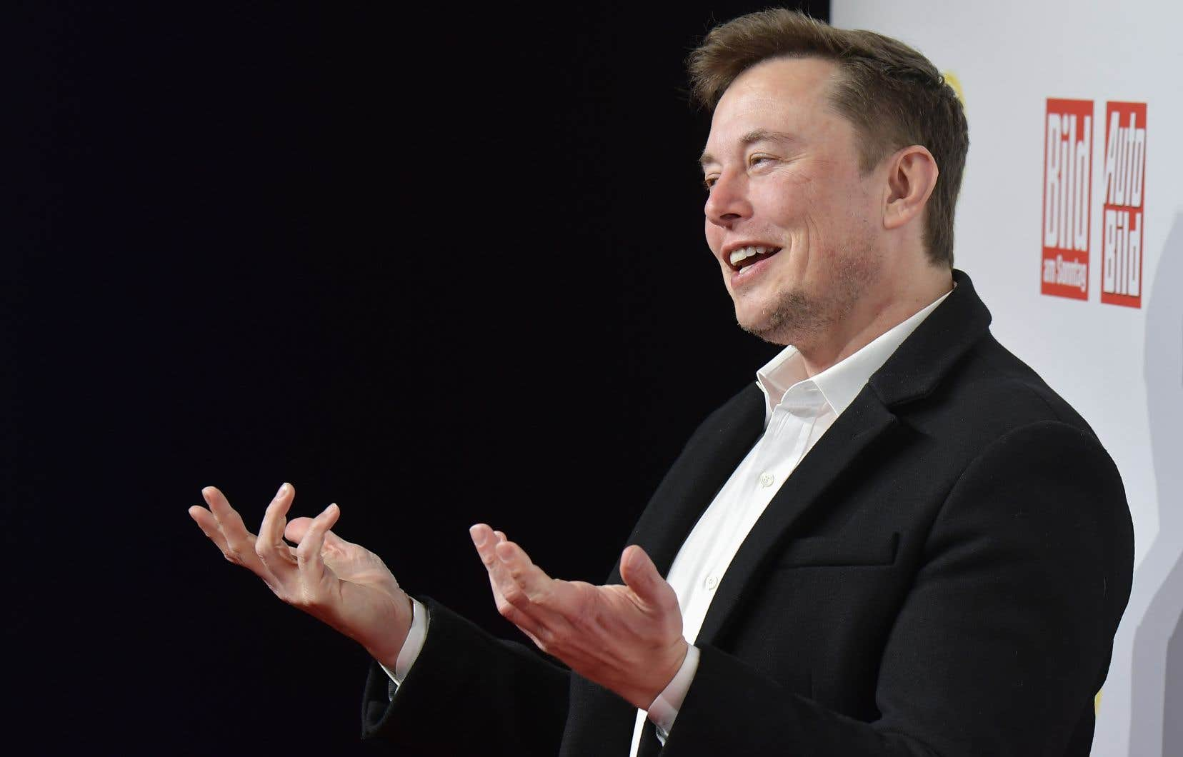 Elon Musk, le patron de la société aérospatiale SpaceX, rompt avec la communication classique des entreprises.