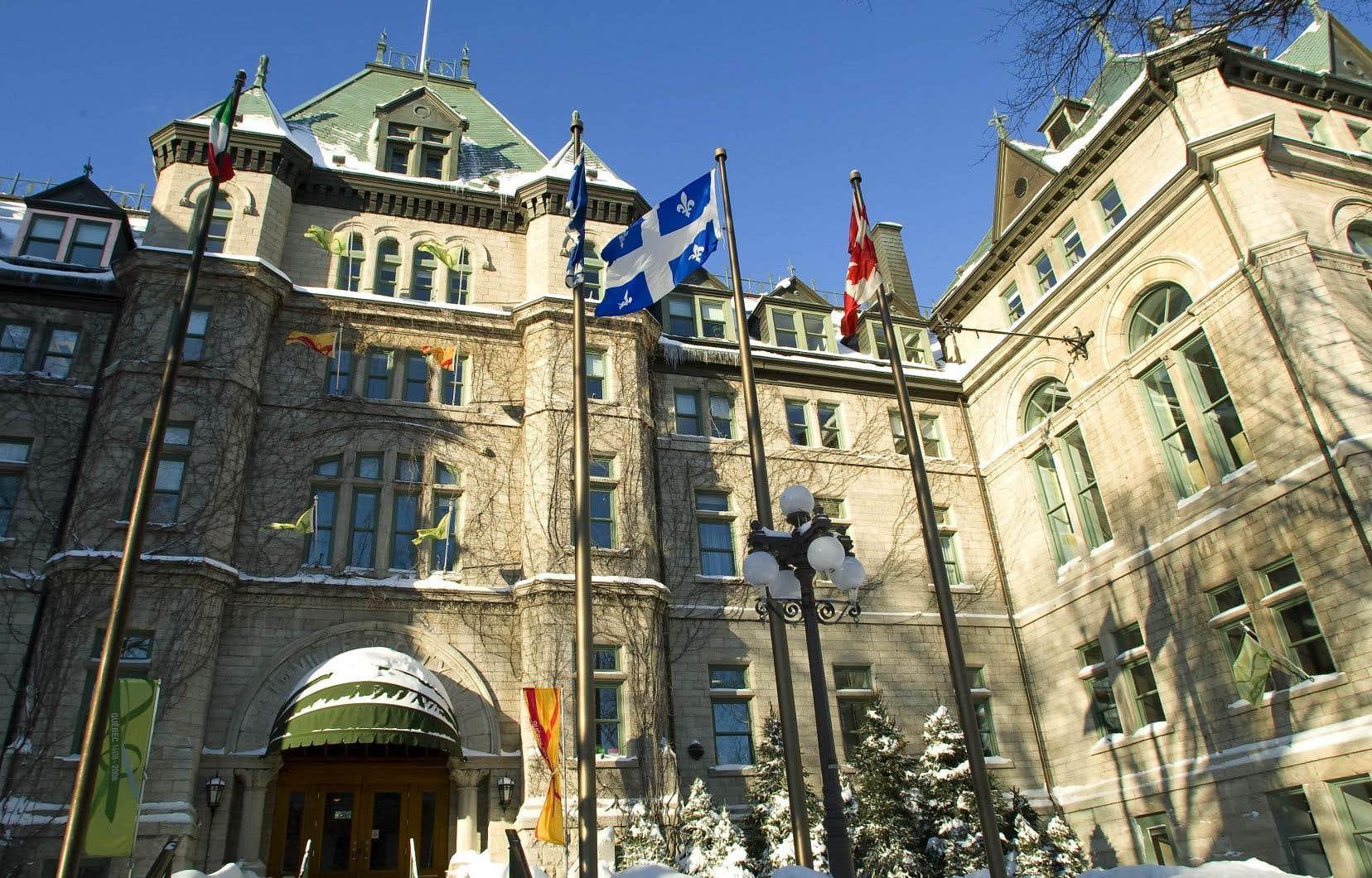 «Côté administratif, ça aurait été un capharnaüm épouvantable», a déclaréle maire de Québec, Régis Labeaume, à propos de l'abolition des référendums municipaux.