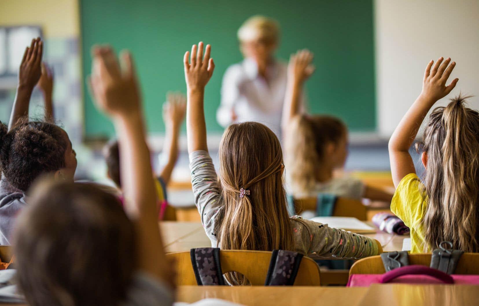 Des approches pédagogiques qui ne tiennent pas compte des besoins des enfants peuvent être des facteurs de risque de décrochage scolaire.