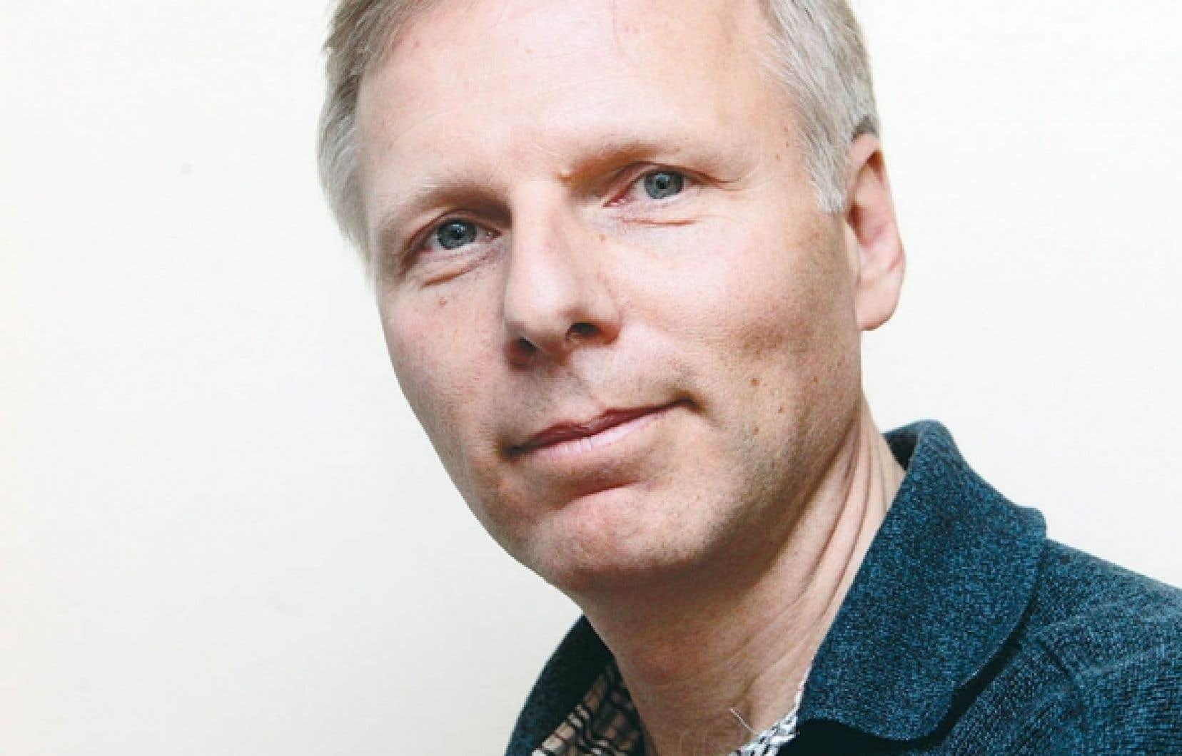 Le directeur exécutif du CÉRIUM, Jean-François Lisée, anime l'émission Planète-terre.<br />