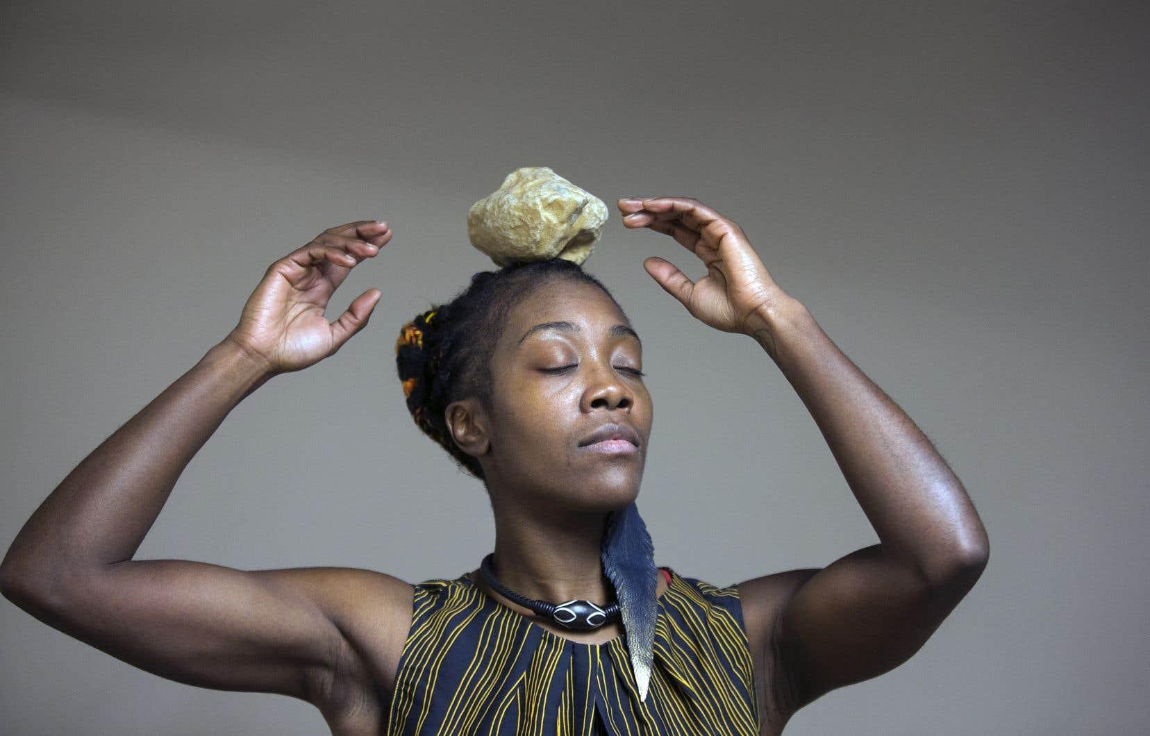 Pour cet ultime «BOW'T TRAIL», l'artiste a imaginé un spectacle chorégraphique documentaire pour une danseuse et deux musiciens.