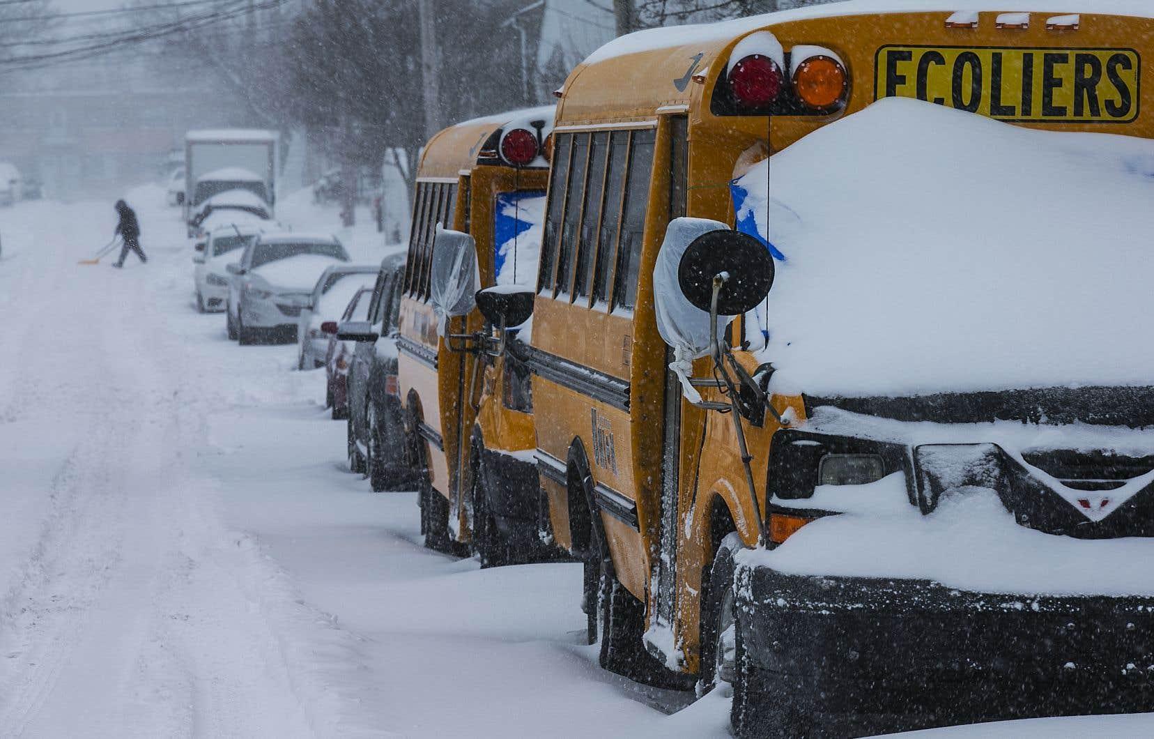 Longue fin de semaine en perspective pour les élèves puisque de nombreuses écoles ont choisi de fermer leurs portes aujourd'hui.