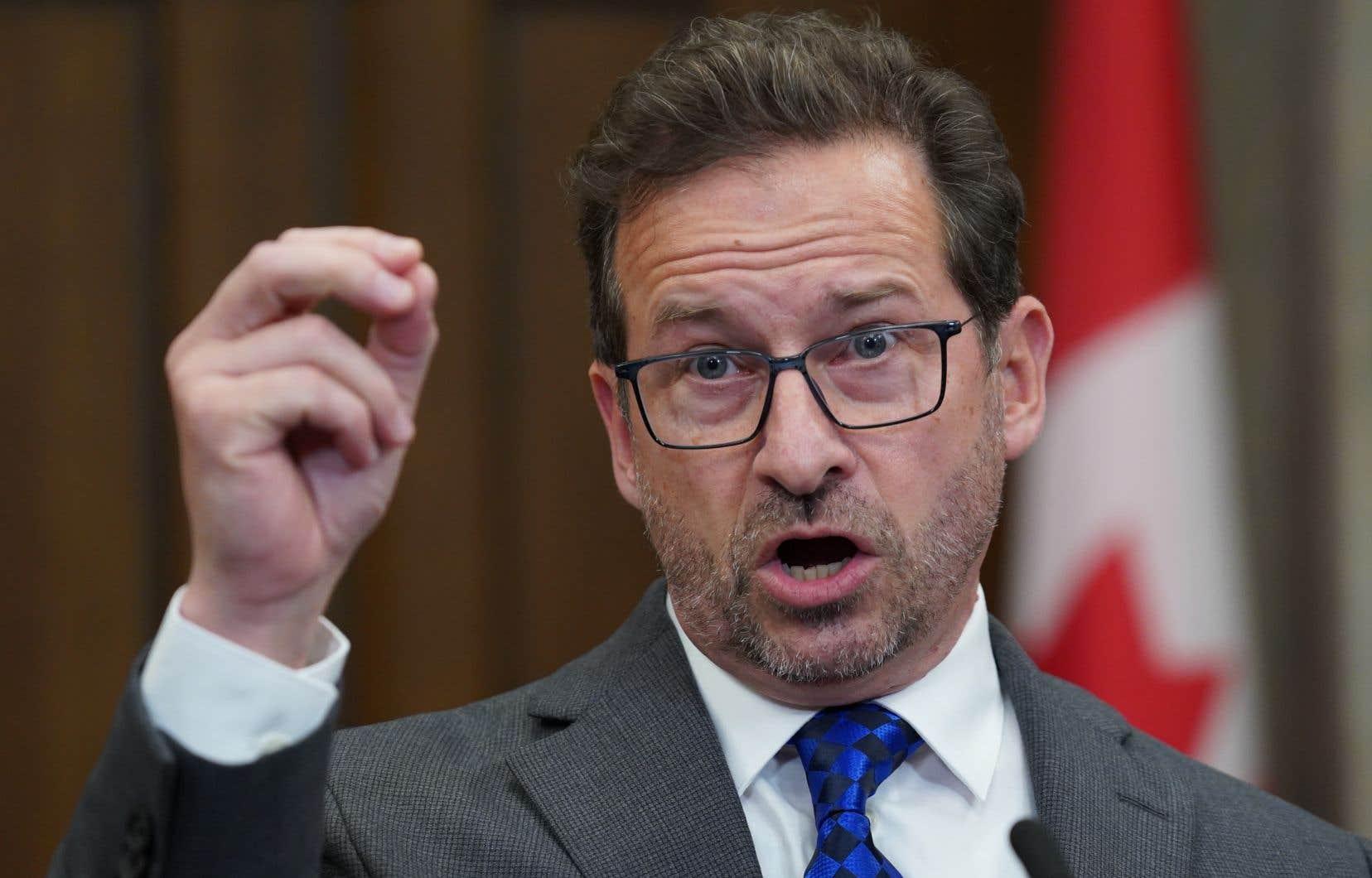 Le chef du Bloc québécois,Yves-François Blanchet, demande plus de transparence au Programme de contestation judiciaire.