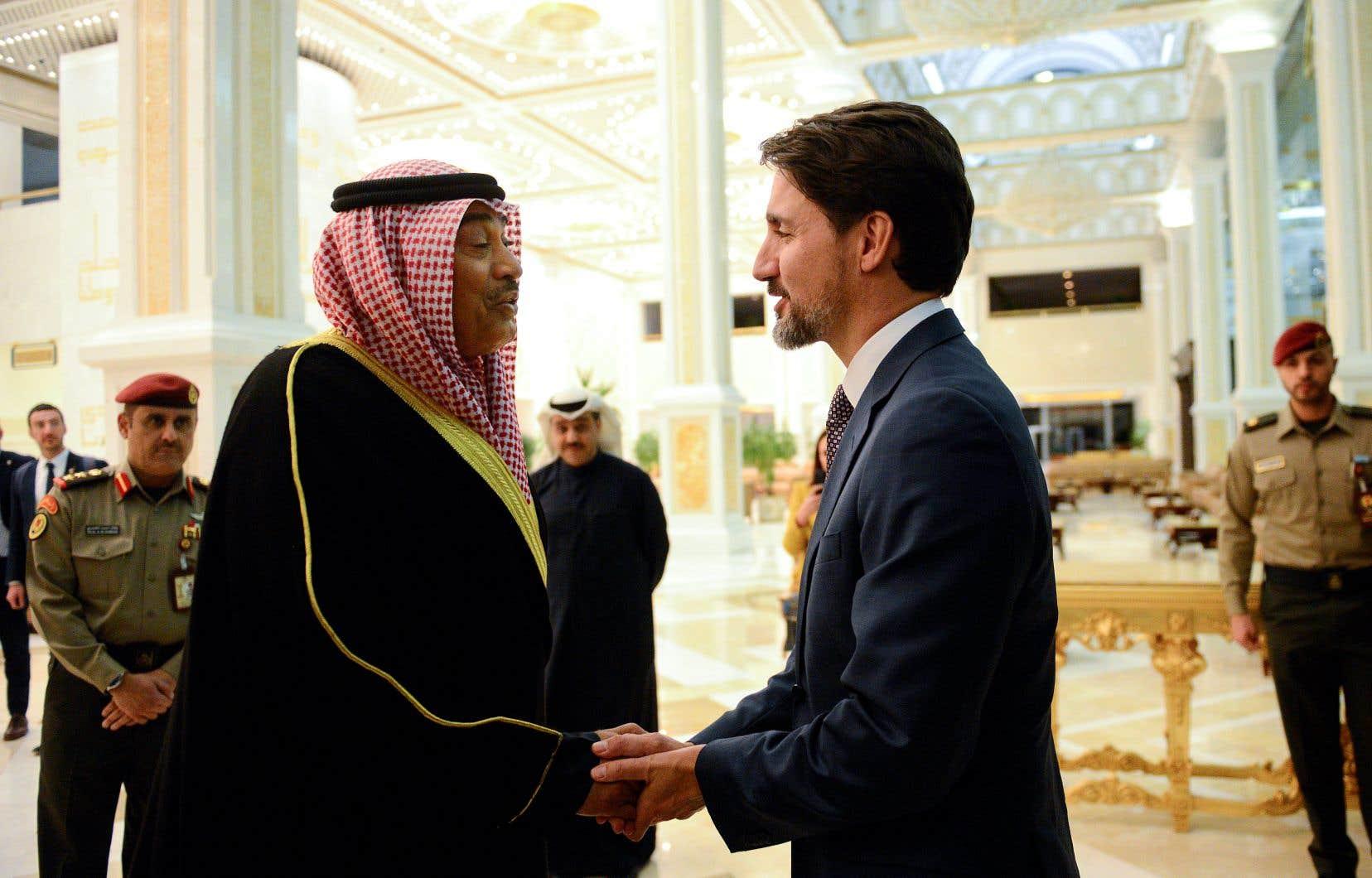 Justin Trudeau était de passage au Koweït lundi dans le cadre d'un voyage qui l'a mené en Afrique et le mènera aussi en Allemage.