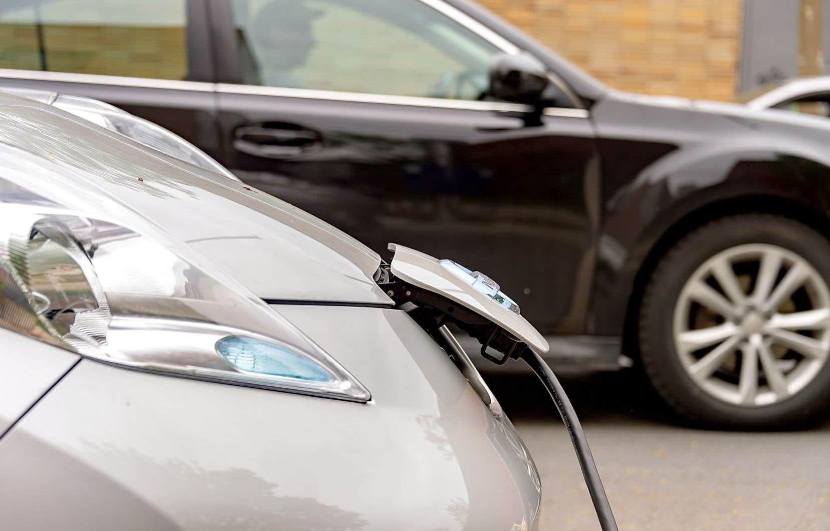 On dénombre actuellement 66 500 véhicules électriques au Québec.