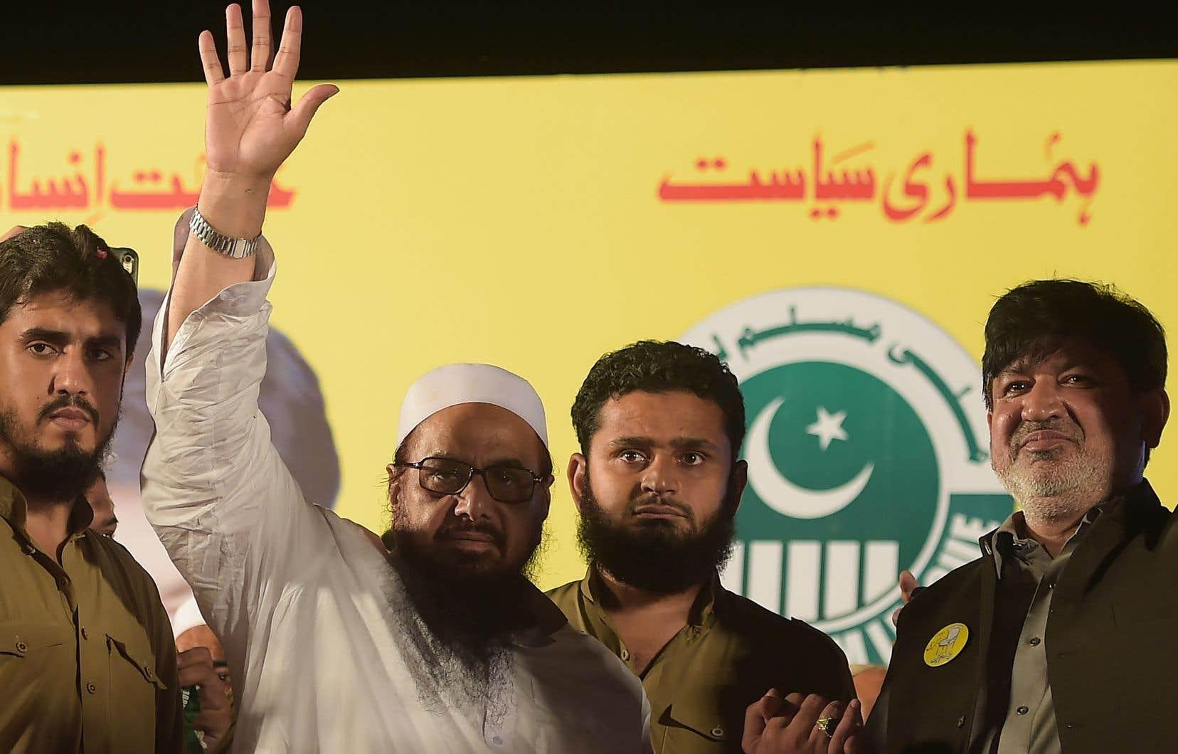 Hafiz Saeed dirige le Jamaat-ud-Dawa, un groupe islamiste classé comme organisation terroriste par l'ONU, qui est considéré par New Delhi comme une vitrine du Lashkar-e-Taiba, l'entité accusée d'être derrière les attentats de Bombay.