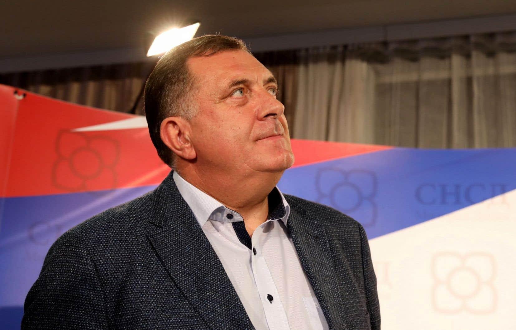 «Soit on se mettra d'accord, soit ce pays n'aura aucune chance», a mis en garde Milorad Dodik, membre serbe de la présidence collégiale de Bosnie, à l'issue d'une réunion des dirigeants serbes bosniens.