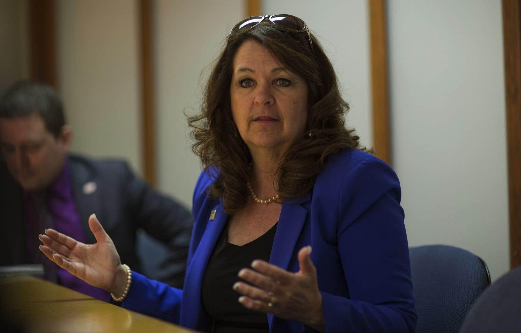 La présidente intérimaire de l'UMQ, Suzanne Roy, entend demander une rencontre afin de discuter du litige en présence du ministre Jean-François Roberge.