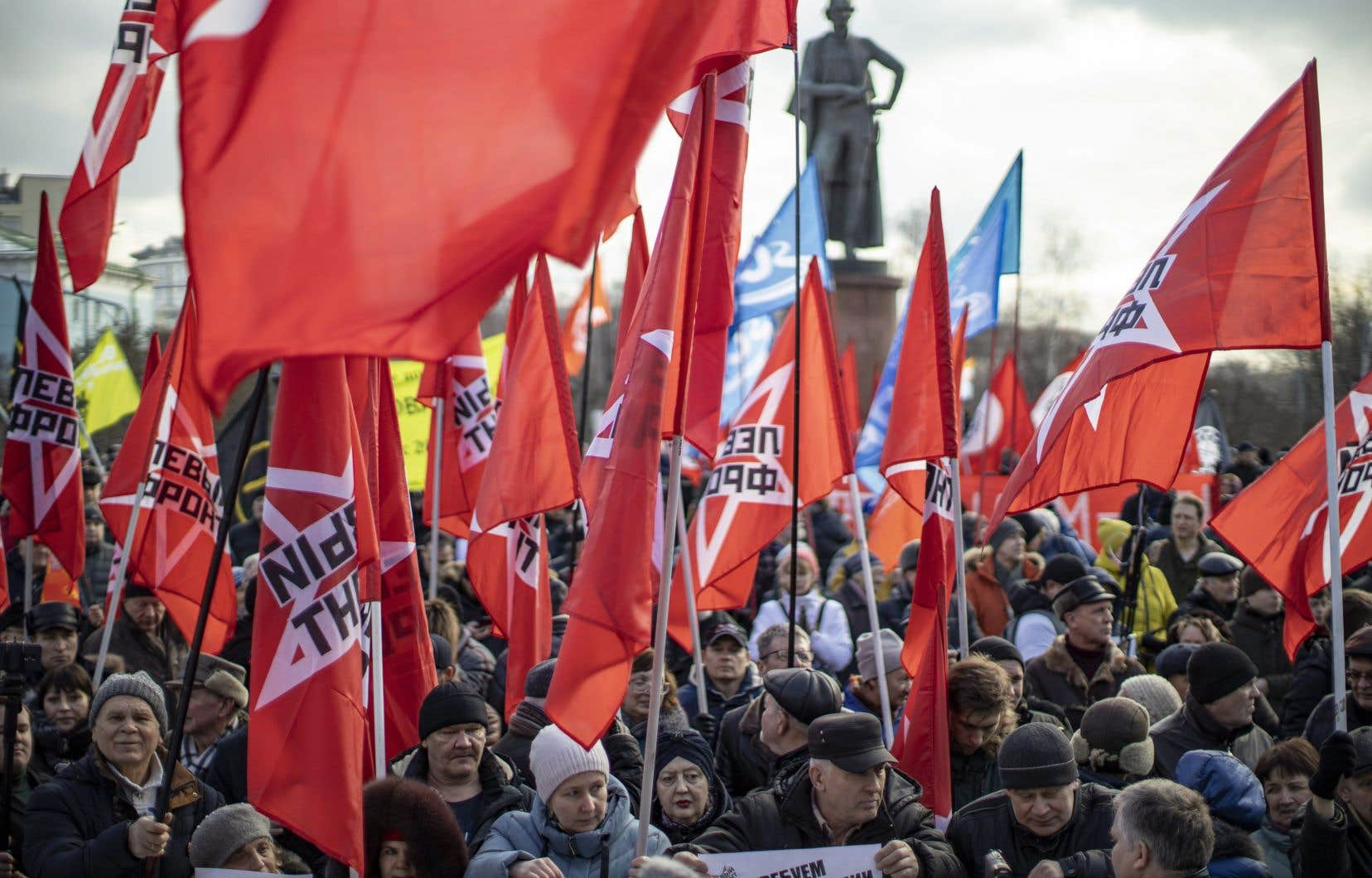 La manifestation moscovite a de son côté réuni 3000 personnes, selon son organisateur, 300, selon la police.
