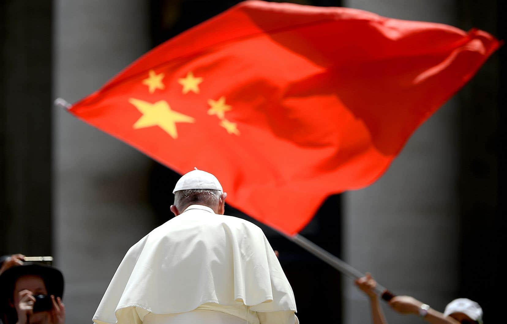 Le pape François ne cache pas son désir de renforcer la relation avec Pékin. Mais le rétablissement des liens officiels entre le Vatican et la Chine reste compliqué à concrétiser.