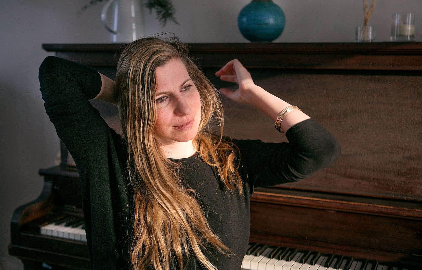 L'espace qu'évoque Rebecca Foon dans sa manière de composer, c'est le temps qu'elle laisse aux notes pour résonner dans ce superbe et solennel album.